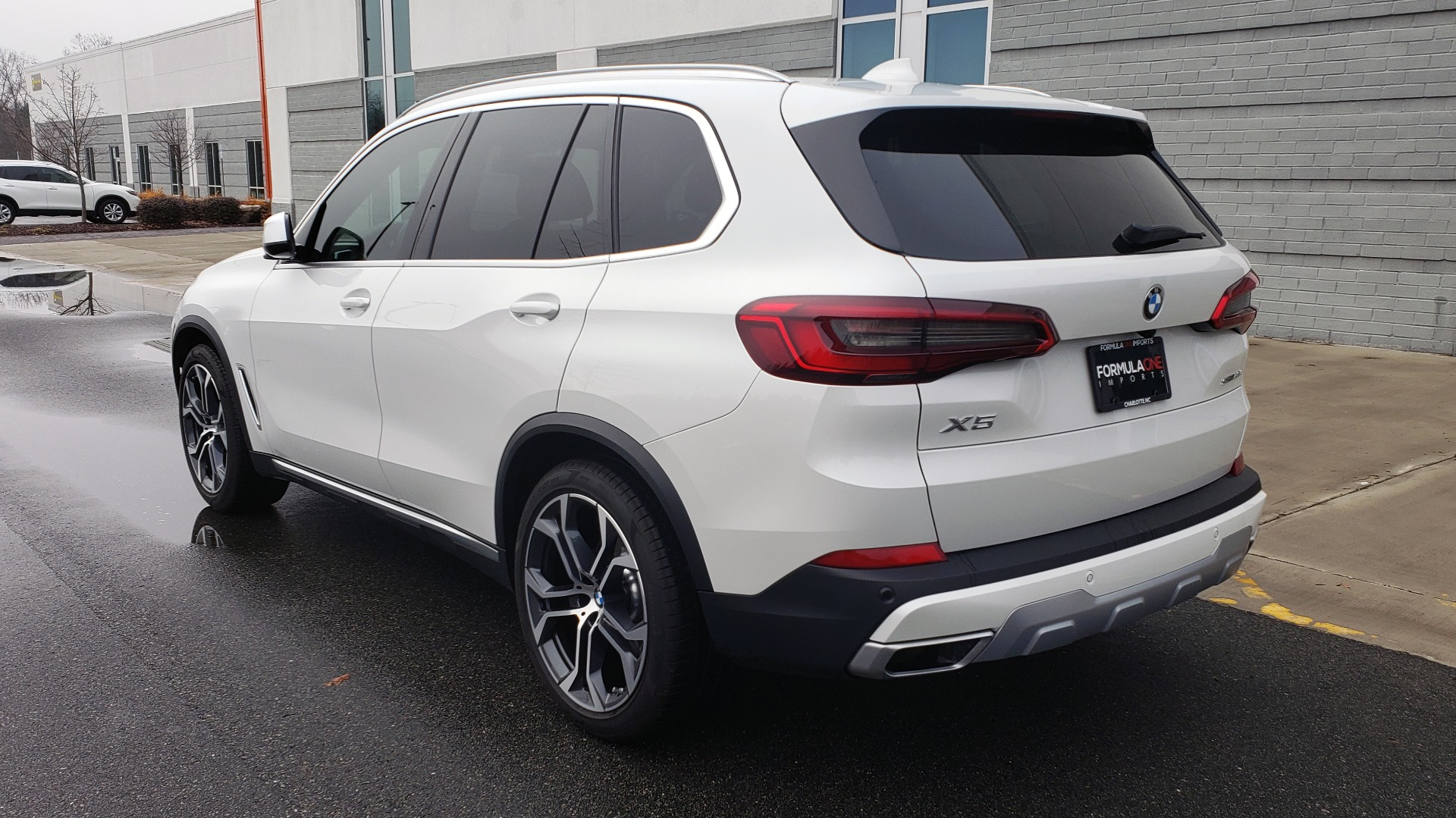 Used 2020 BMW X5 SDRIVE40I / CONV PKG / WIFI / NAV / PANO-ROOF / REARVIEW for sale Sold at Formula Imports in Charlotte NC 28227 3