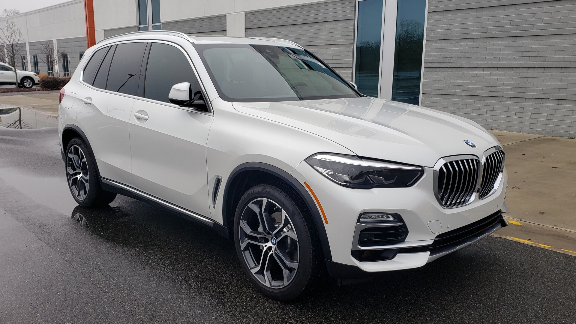 Used 2020 BMW X5 SDRIVE40I / CONV PKG / WIFI / NAV / PANO-ROOF / REARVIEW for sale Sold at Formula Imports in Charlotte NC 28227 4