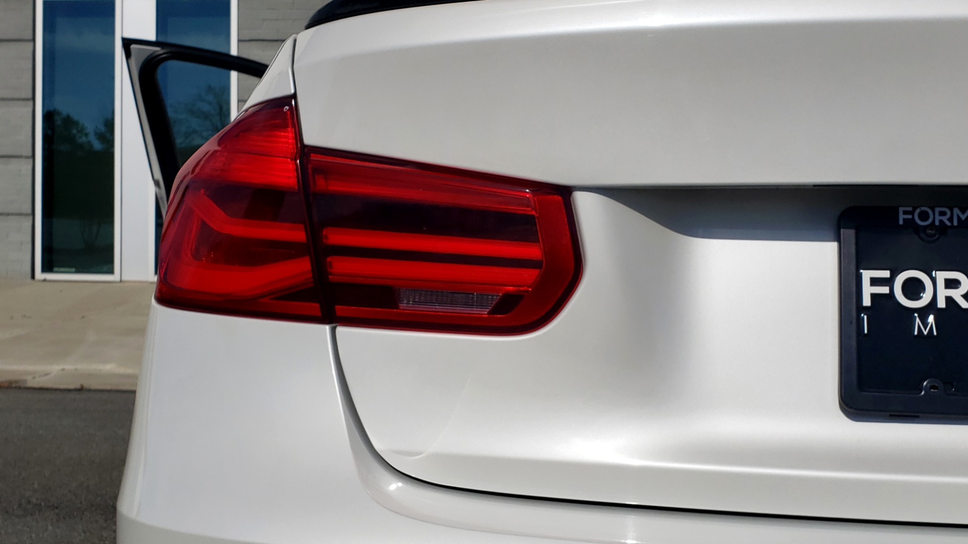 Used 2016 BMW M3 SEDAN / EXECUTIVE PKG / M-SUSPENSION / HARMAN/KARDON SOUND for sale Sold at Formula Imports in Charlotte NC 28227 32