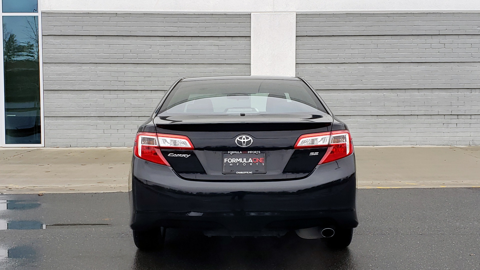 Used 2014 Toyota CAMRY SE SEDAN / 2.5L 4-CYL / 6-SPD AUTO / 17IN ALLOY WHEELS for sale $10,499 at Formula Imports in Charlotte NC 28227 24