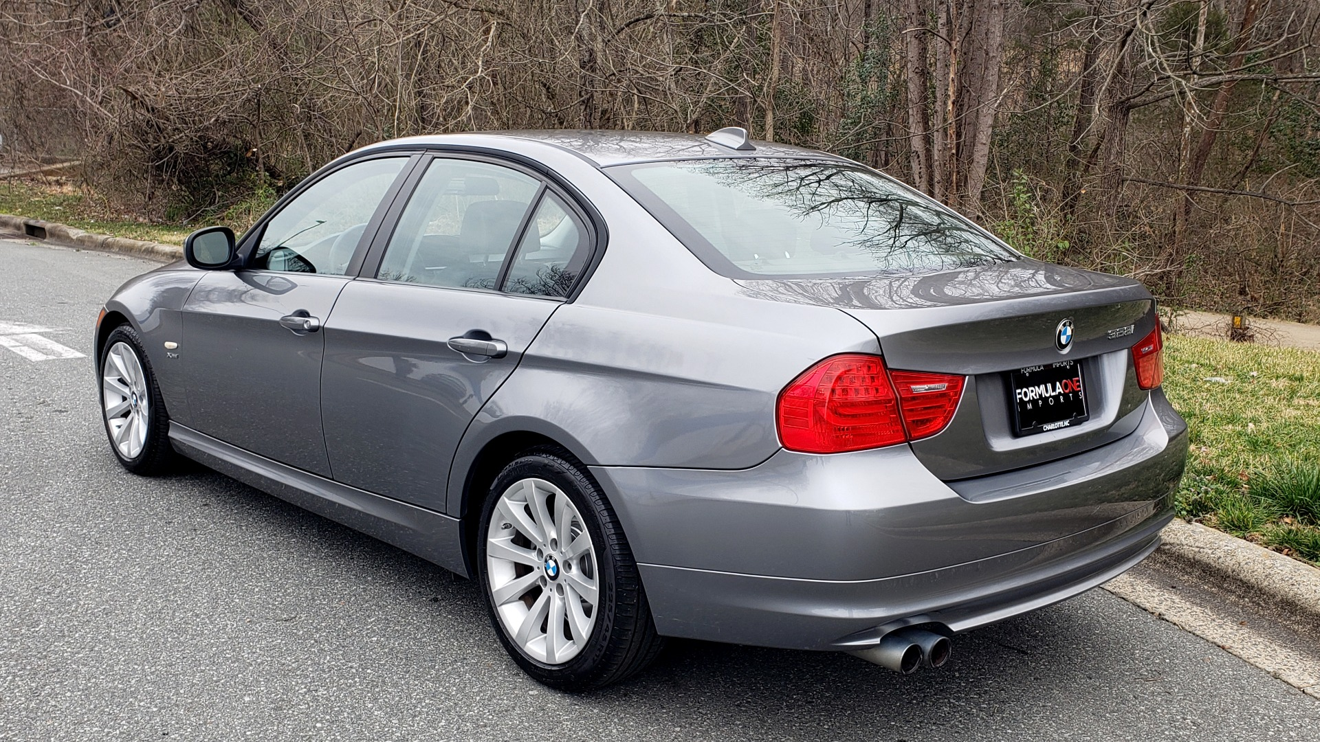 Used 2011 BMW 3 SERIES 328IXDRIVE PREMIUM / NAV / SUNROOF / HEATED SEATS for sale Sold at Formula Imports in Charlotte NC 28227 3