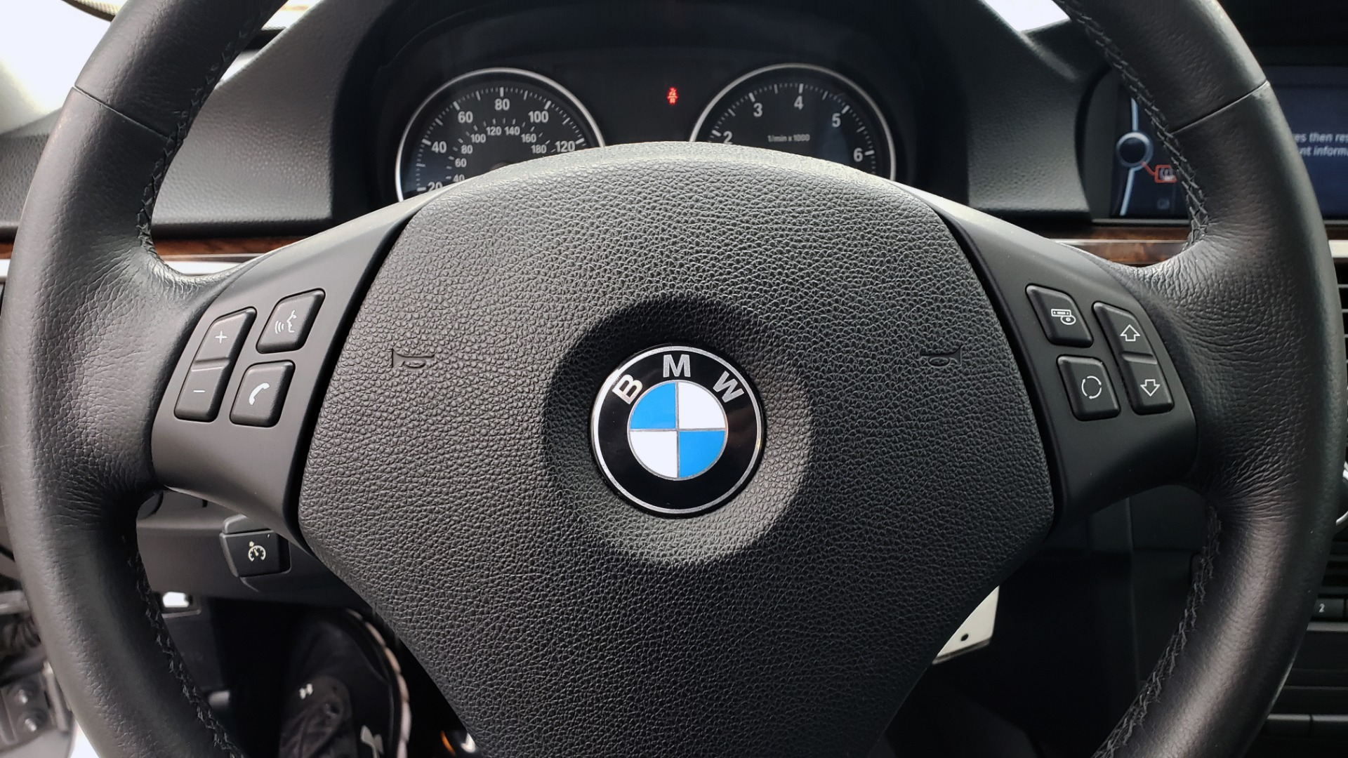 Used 2011 BMW 3 SERIES 328IXDRIVE PREMIUM / NAV / SUNROOF / HEATED SEATS for sale Sold at Formula Imports in Charlotte NC 28227 35
