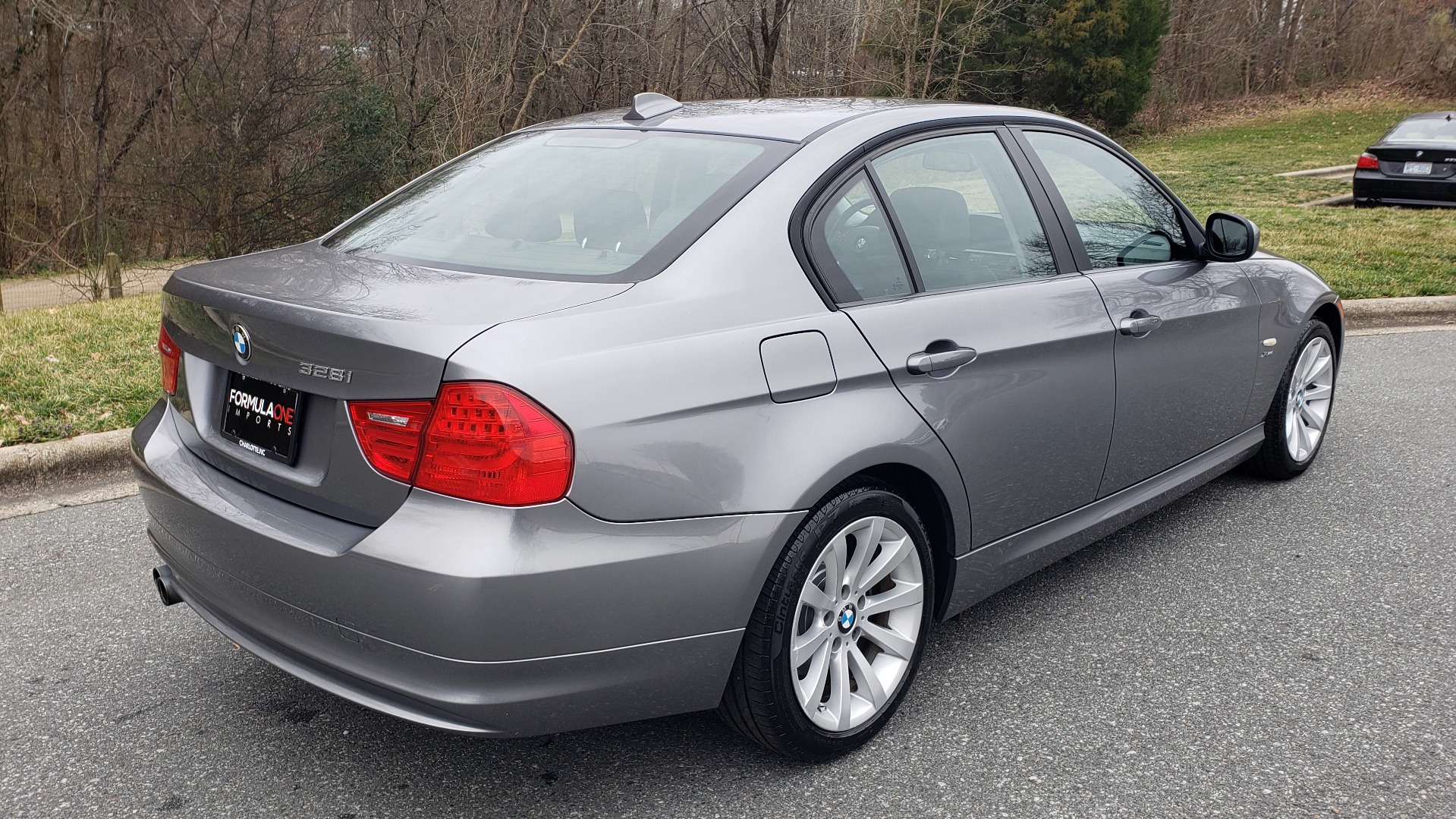 Used 2011 BMW 3 SERIES 328IXDRIVE PREMIUM / NAV / SUNROOF / HEATED SEATS for sale Sold at Formula Imports in Charlotte NC 28227 6