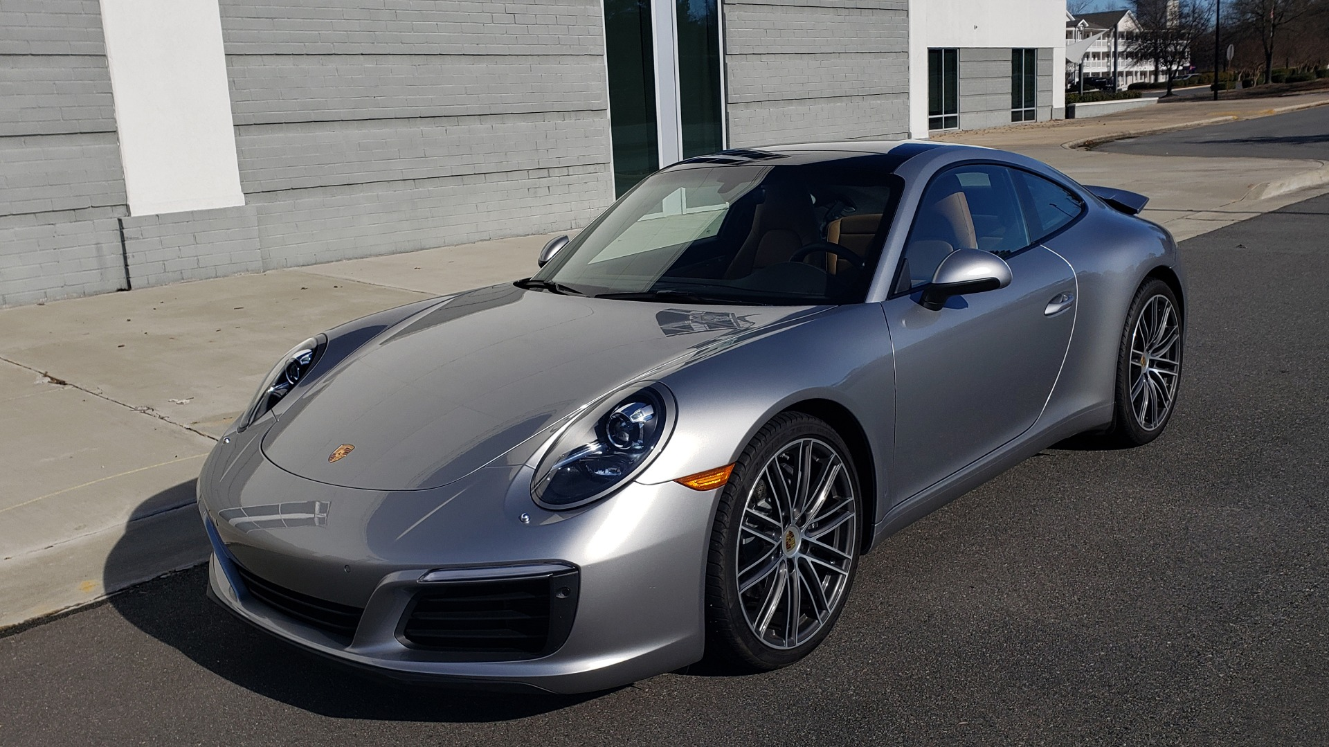 Used 2017 Porsche 911 CARRERA COUPE / 3.0L / 7-SPD MAN / NAV / PDLS / SUNROOF / REARVIEW for sale Sold at Formula Imports in Charlotte NC 28227 2