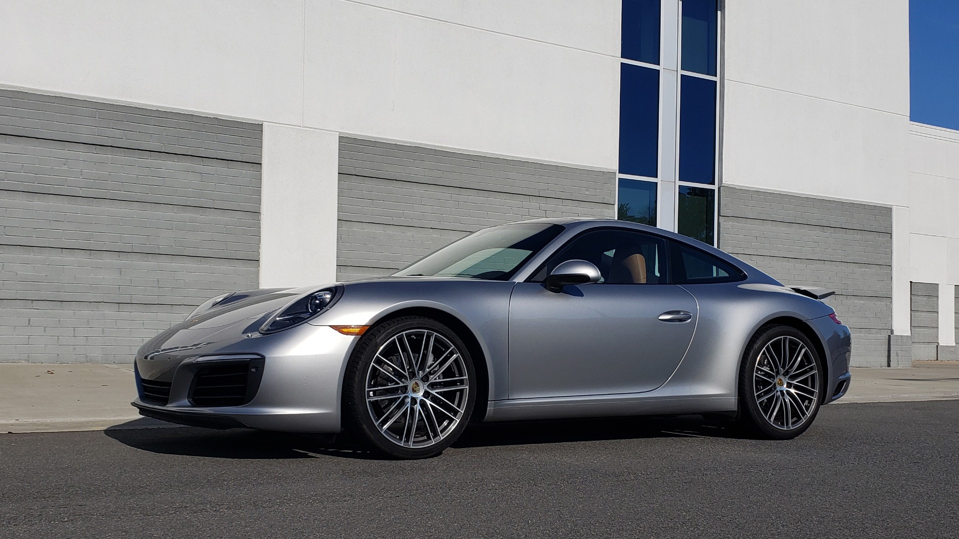 Used 2017 Porsche 911 CARRERA COUPE / 3.0L / 7-SPD MAN / NAV / PDLS / SUNROOF / REARVIEW for sale Sold at Formula Imports in Charlotte NC 28227 3