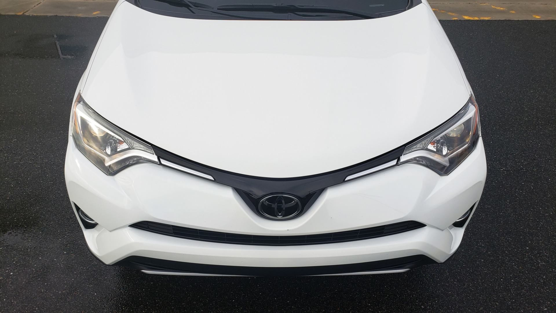 Used 2018 Toyota RAV4 XLE / FWD / 4-CYL / 6-SPD AUTO / BSM / REAR CROSS TRAFFIC ALERT for sale Sold at Formula Imports in Charlotte NC 28227 23