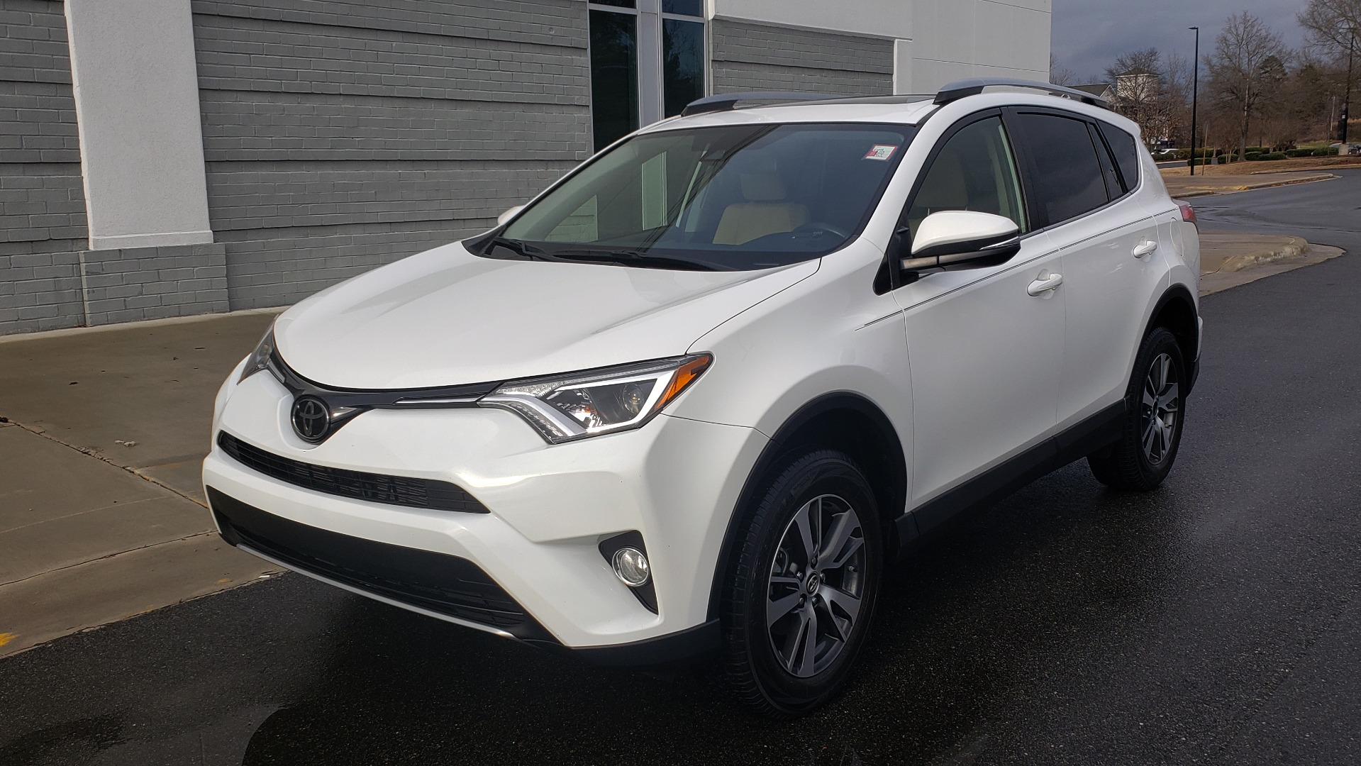 Used 2018 Toyota RAV4 XLE / FWD / 4-CYL / 6-SPD AUTO / BSM / REAR CROSS TRAFFIC ALERT for sale Sold at Formula Imports in Charlotte NC 28227 3