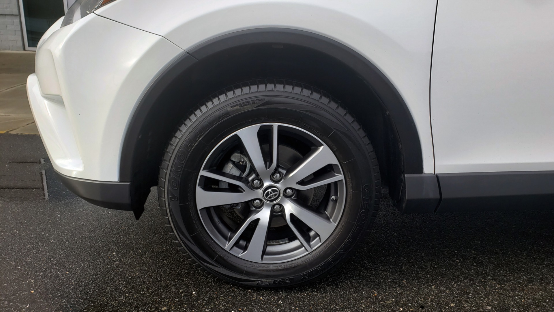 Used 2018 Toyota RAV4 XLE / FWD / 4-CYL / 6-SPD AUTO / BSM / REAR CROSS TRAFFIC ALERT for sale Sold at Formula Imports in Charlotte NC 28227 78