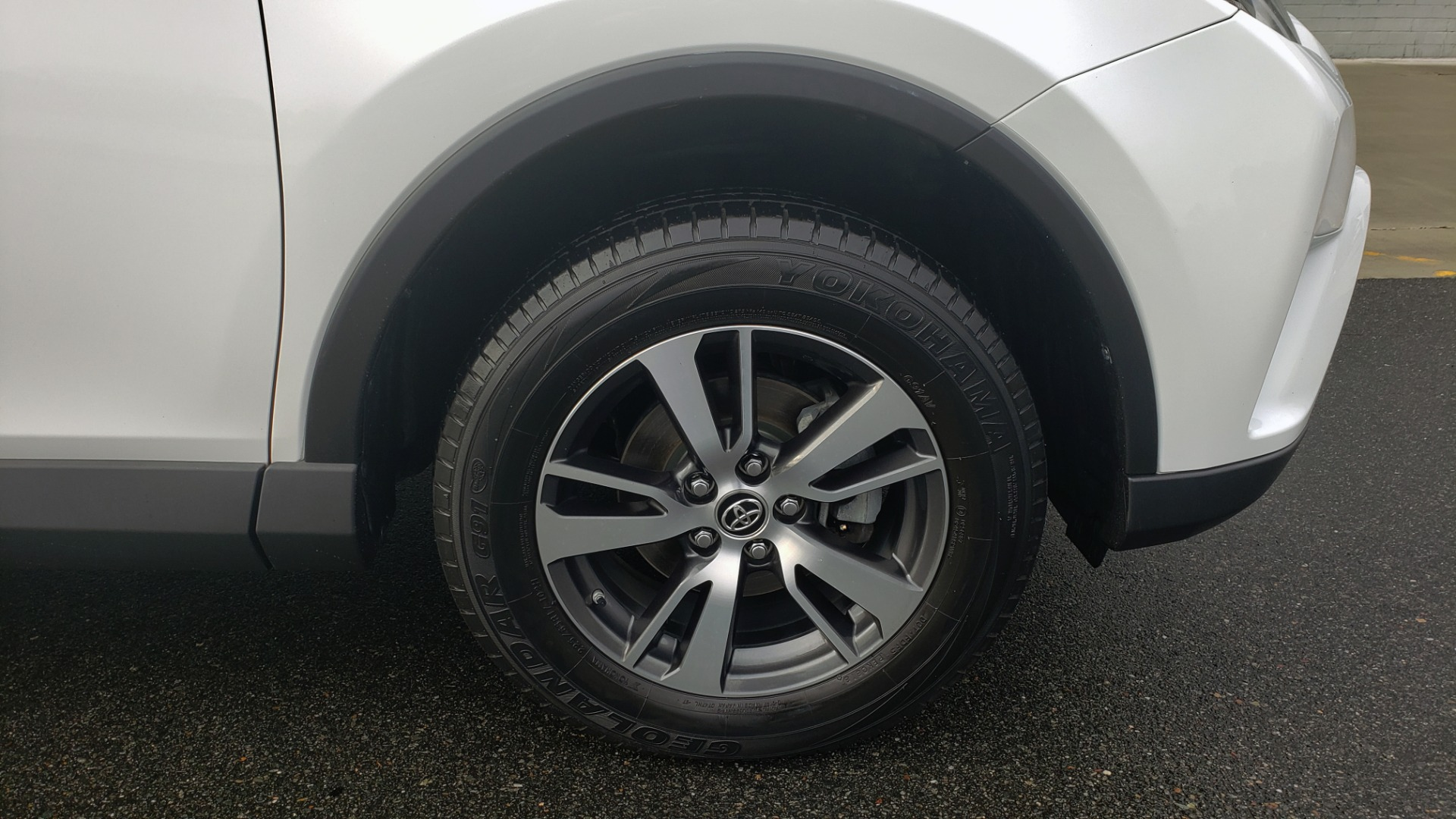 Used 2018 Toyota RAV4 XLE / FWD / 4-CYL / 6-SPD AUTO / BSM / REAR CROSS TRAFFIC ALERT for sale Sold at Formula Imports in Charlotte NC 28227 81