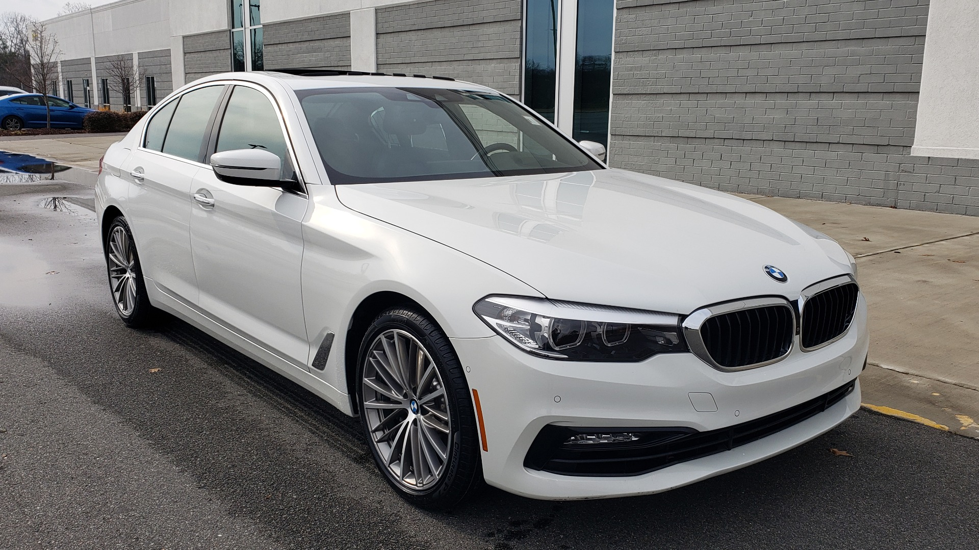 Used 2017 BMW 5 SERIES 530I PREMIUM / DRVR ASST PLUS / NAV / HUD / SUNROOF / REARVIEW for sale Sold at Formula Imports in Charlotte NC 28227 2