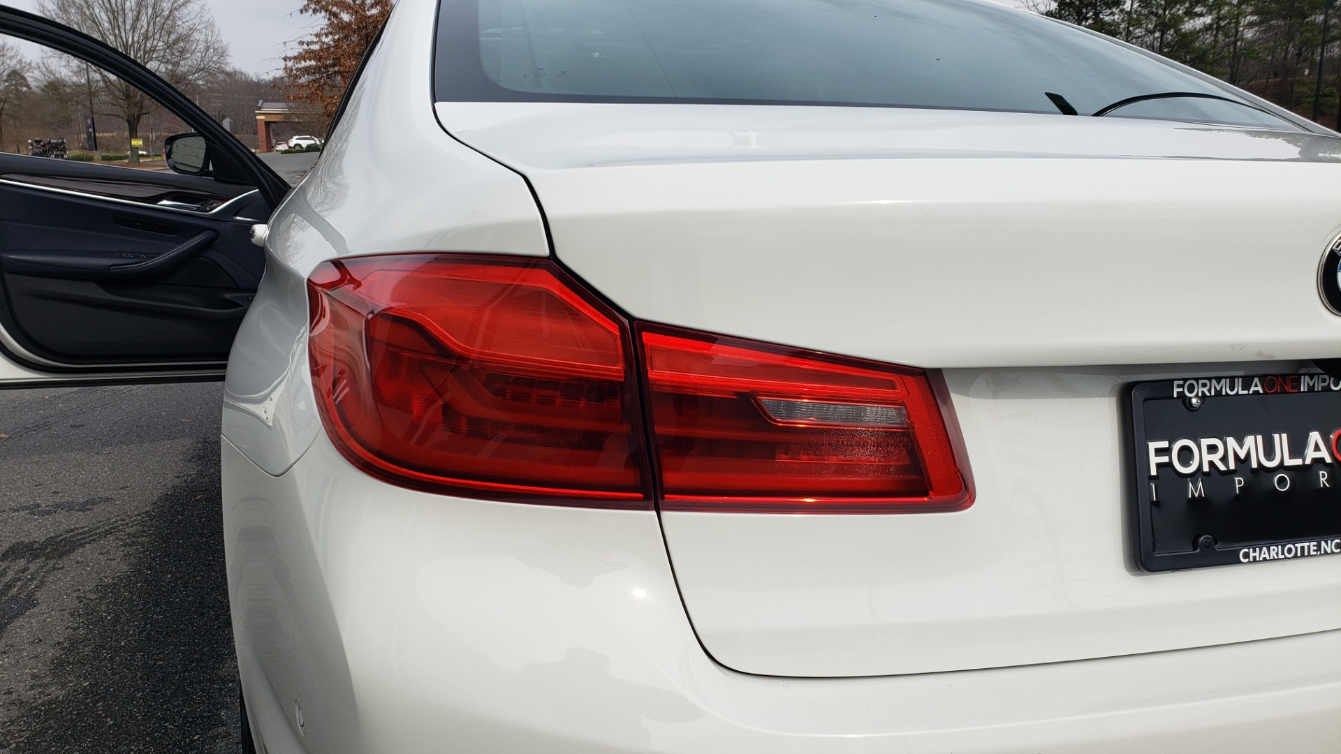 Used 2017 BMW 5 SERIES 530I PREMIUM / DRVR ASST PLUS / NAV / HUD / SUNROOF / REARVIEW for sale Sold at Formula Imports in Charlotte NC 28227 25