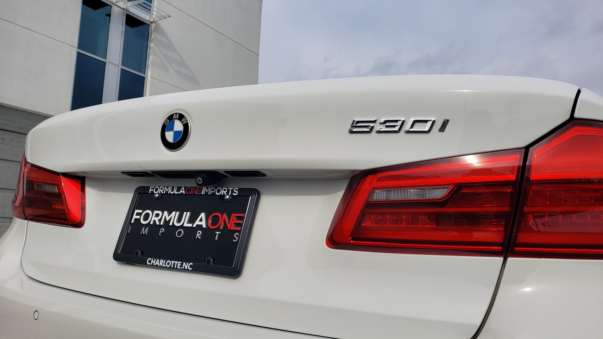 Used 2017 BMW 5 SERIES 530I PREMIUM / DRVR ASST PLUS / NAV / HUD / SUNROOF / REARVIEW for sale Sold at Formula Imports in Charlotte NC 28227 27