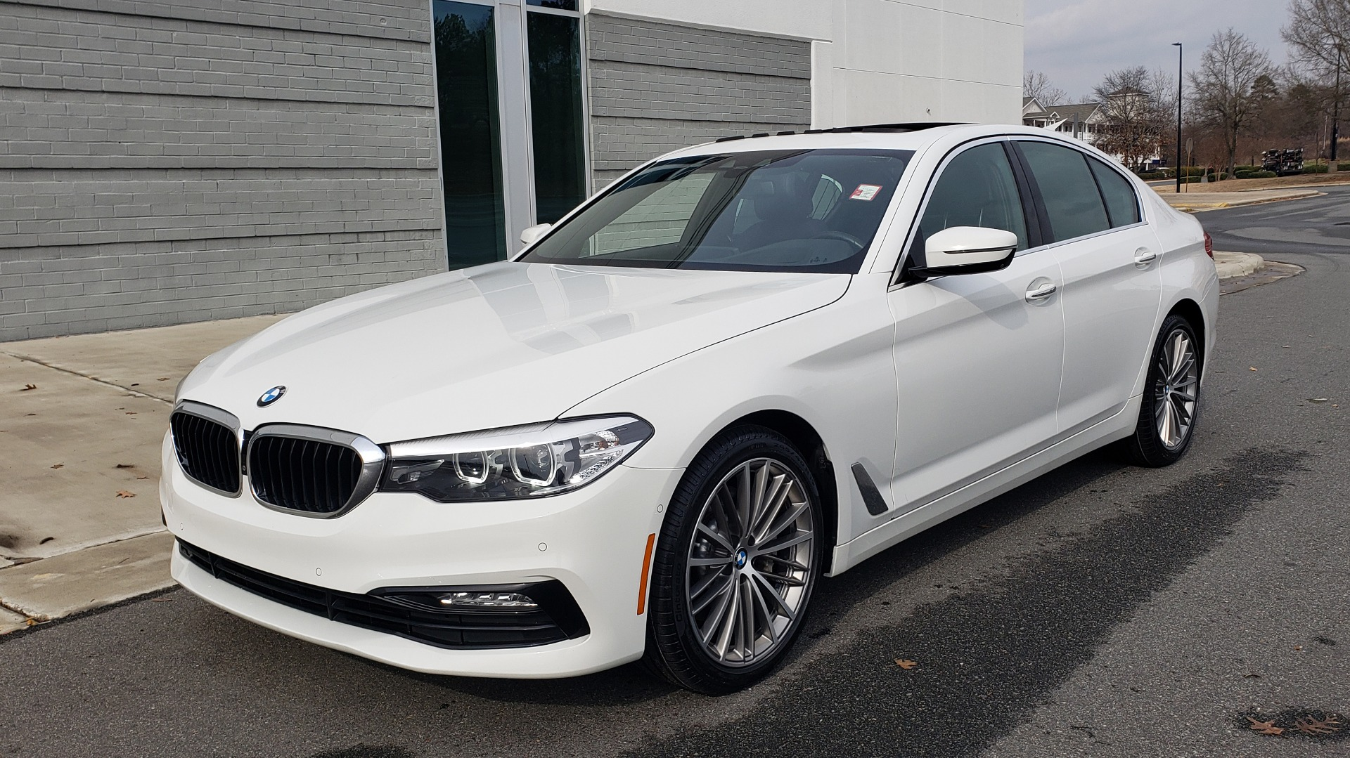 Used 2017 BMW 5 SERIES 530I PREMIUM / DRVR ASST PLUS / NAV / HUD / SUNROOF / REARVIEW for sale Sold at Formula Imports in Charlotte NC 28227 4