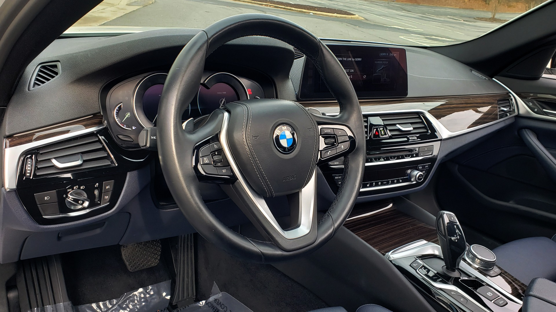 Used 2017 BMW 5 SERIES 530I PREMIUM / DRVR ASST PLUS / NAV / HUD / SUNROOF / REARVIEW for sale Sold at Formula Imports in Charlotte NC 28227 41