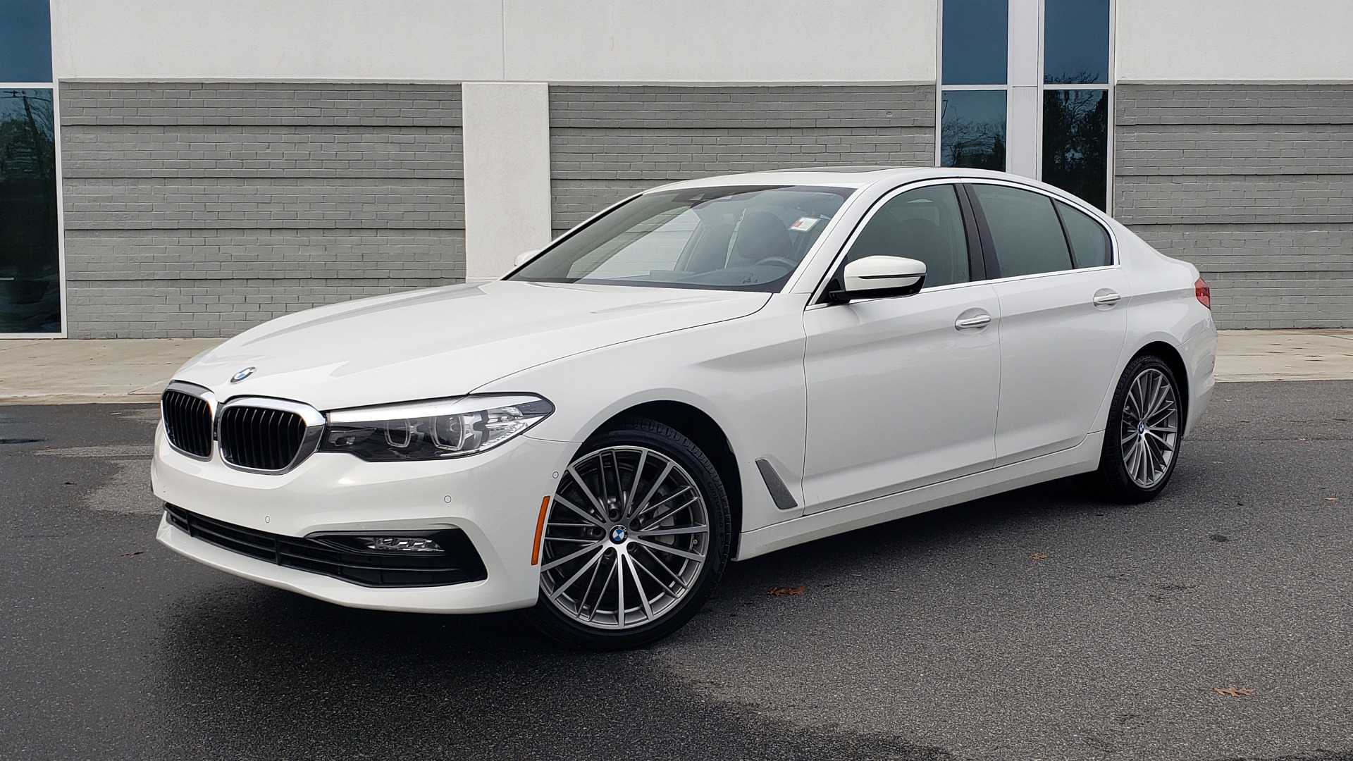 Used 2017 BMW 5 SERIES 530I PREMIUM / DRVR ASST PLUS / NAV / HUD / SUNROOF / REARVIEW for sale Sold at Formula Imports in Charlotte NC 28227 1