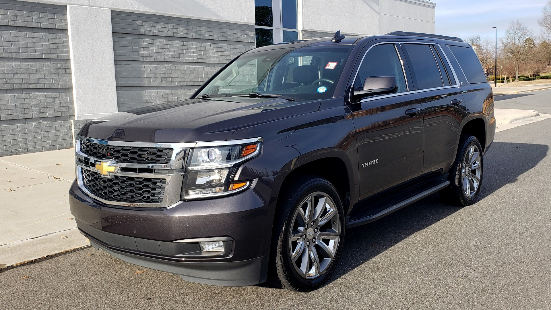 Used 2017 Chevrolet TAHOE 4WD LT / LUXURY PKG / NAV / BOSE / 3-ROW / REARVIEW for sale Sold at Formula Imports in Charlotte NC 28227 3
