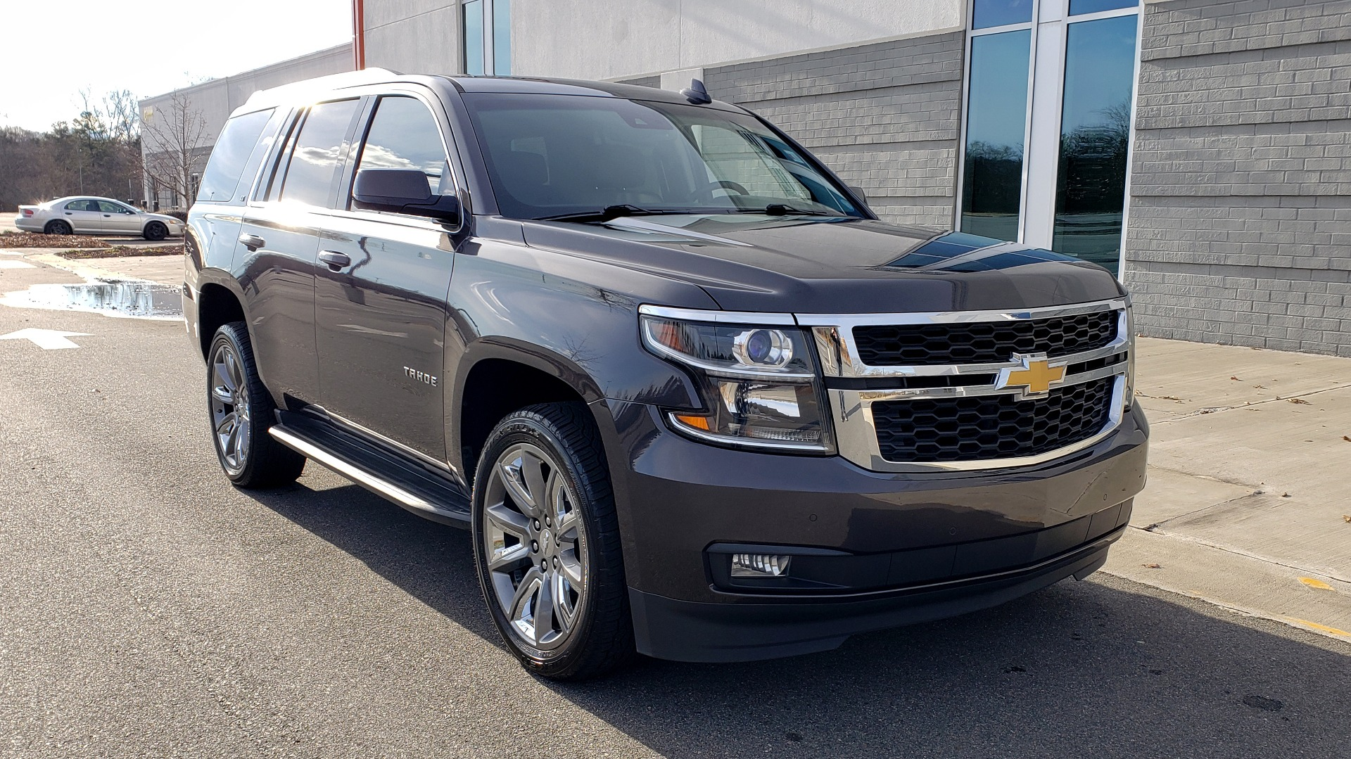 Used 2017 Chevrolet TAHOE 4WD LT / LUXURY PKG / NAV / BOSE / 3-ROW / REARVIEW for sale Sold at Formula Imports in Charlotte NC 28227 6