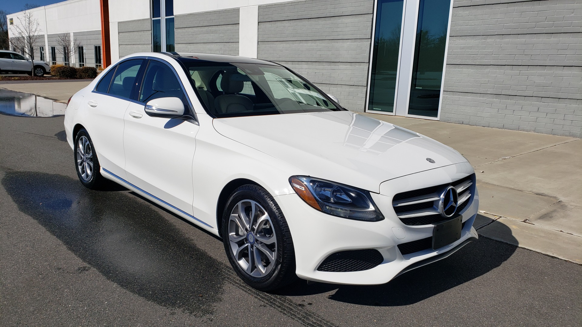 Used 2017 Mercedes-Benz C-CLASS C300 / 2.0L / 7-SPD AUTO / BSA / PANO-ROOF / REARVIEW for sale $23,695 at Formula Imports in Charlotte NC 28227 4