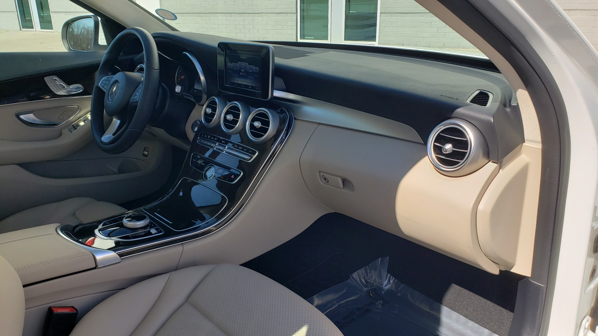 Used 2017 Mercedes-Benz C-CLASS C300 / 2.0L / 7-SPD AUTO / BSA / PANO-ROOF / REARVIEW for sale Sold at Formula Imports in Charlotte NC 28227 60