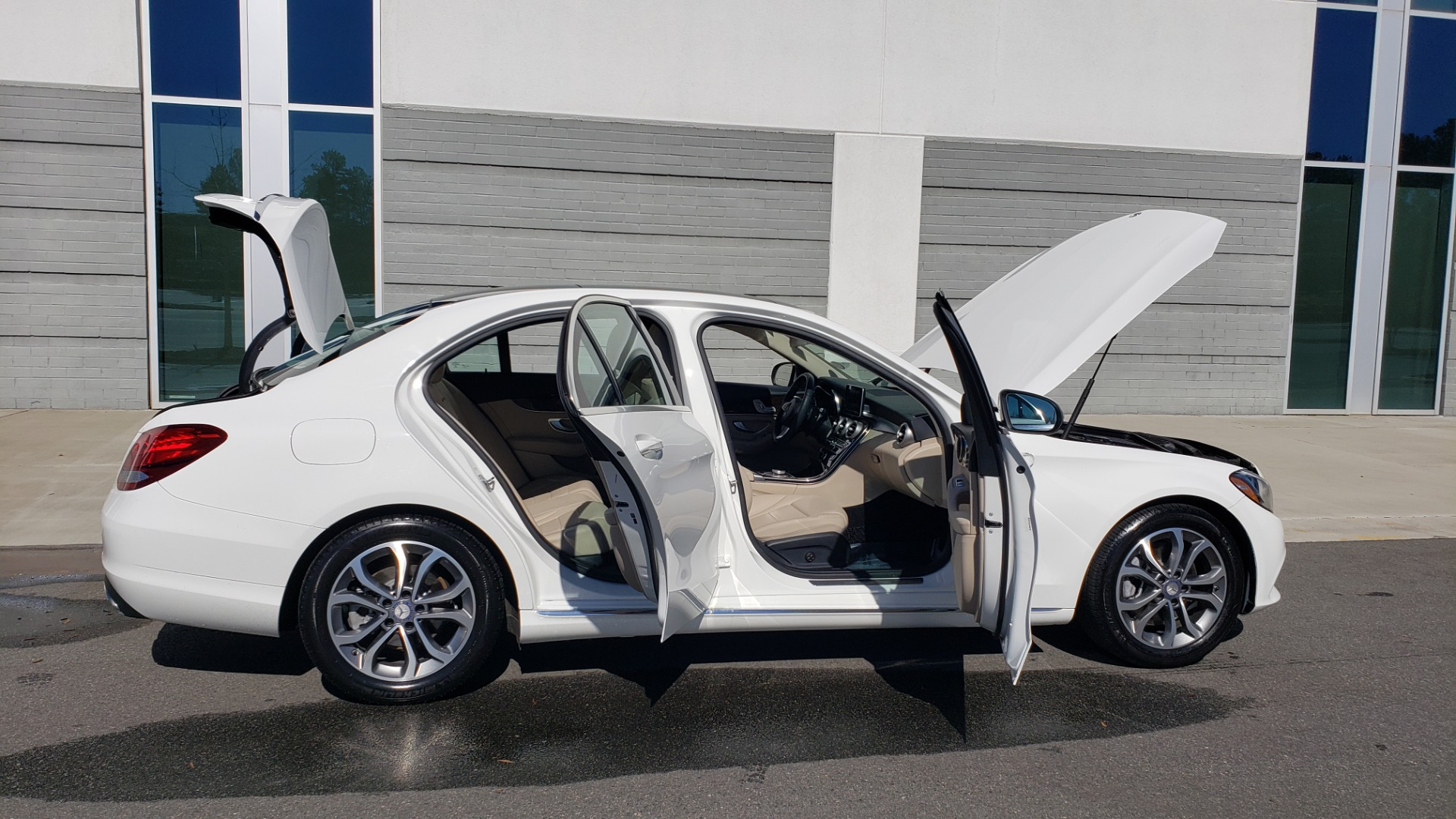 Used 2017 Mercedes-Benz C-CLASS C300 / 2.0L / 7-SPD AUTO / BSA / PANO-ROOF / REARVIEW for sale Sold at Formula Imports in Charlotte NC 28227 9