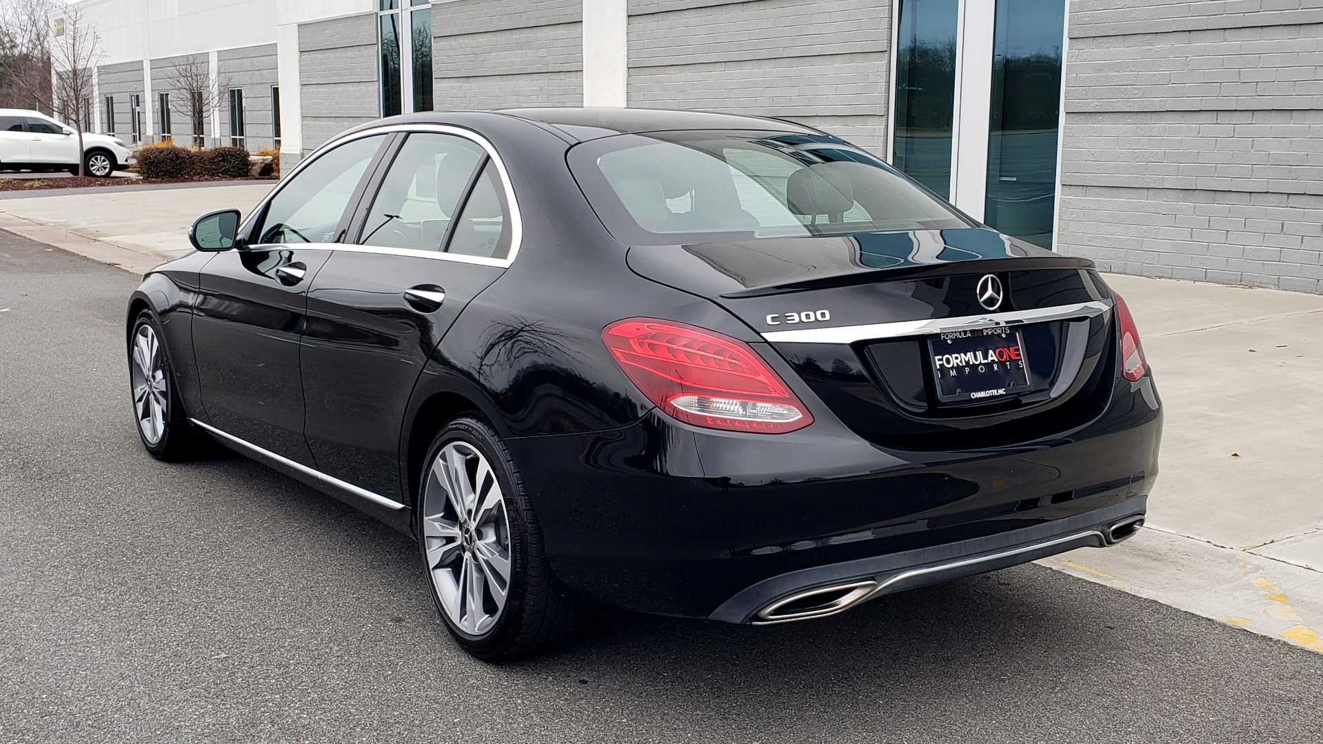 Used 2018 Mercedes-Benz C-CLASS C 300 PREMIUM / 2.0L TURBO / PANO-ROOF / KEYLESS-GO / REARVIEW for sale Sold at Formula Imports in Charlotte NC 28227 3