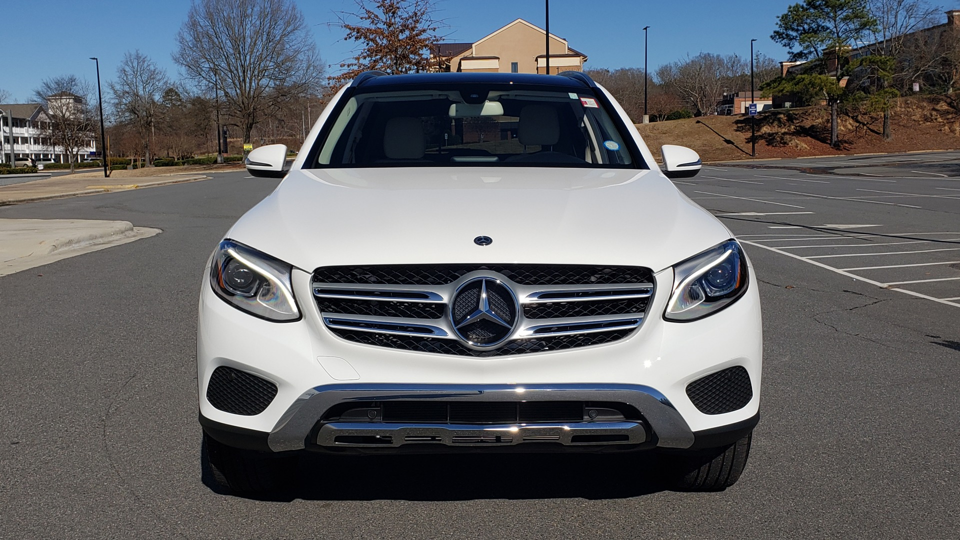 Used 2018 Mercedes-Benz GLC 300 4MATIC / PREM PKG / NAV / SUNROOF / REARVIEW for sale $36,995 at Formula Imports in Charlotte NC 28227 24