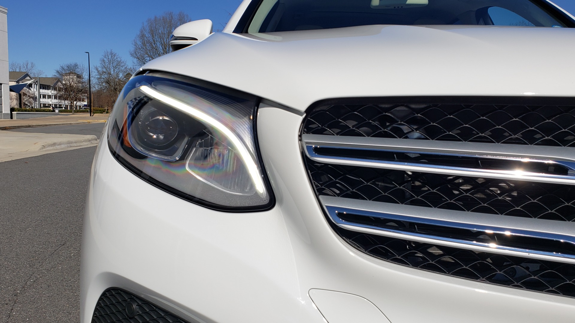 Used 2018 Mercedes-Benz GLC 300 4MATIC / PREM PKG / NAV / SUNROOF / REARVIEW for sale $36,995 at Formula Imports in Charlotte NC 28227 25
