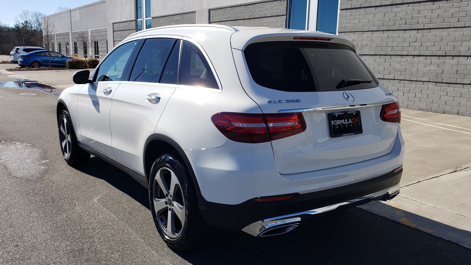 Used 2018 Mercedes-Benz GLC 300 4MATIC / PREM PKG / NAV / SUNROOF / REARVIEW for sale $36,995 at Formula Imports in Charlotte NC 28227 3