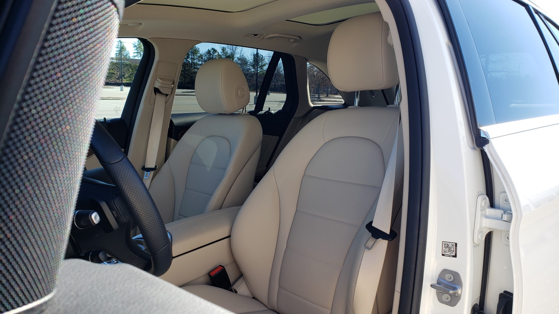 Used 2018 Mercedes-Benz GLC 300 4MATIC / PREM PKG / NAV / SUNROOF / REARVIEW for sale $36,995 at Formula Imports in Charlotte NC 28227 42