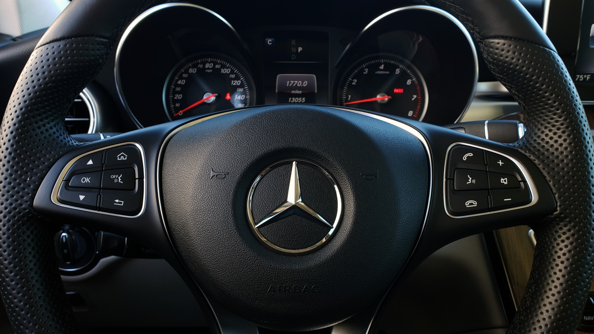 Used 2018 Mercedes-Benz GLC 300 4MATIC / PREM PKG / NAV / SUNROOF / REARVIEW for sale $36,995 at Formula Imports in Charlotte NC 28227 45