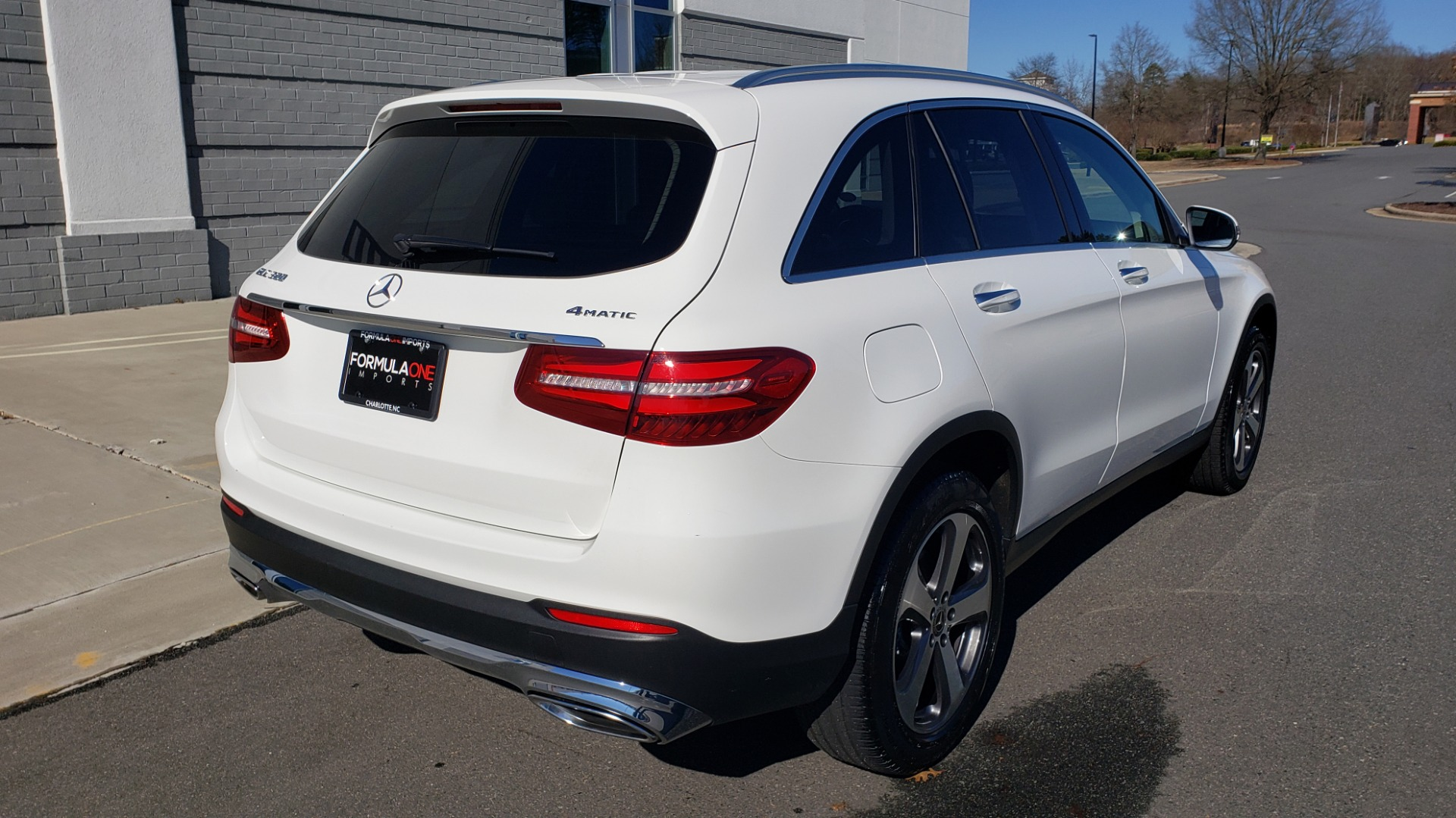 Used 2018 Mercedes-Benz GLC 300 4MATIC / PREM PKG / NAV / SUNROOF / REARVIEW for sale $36,995 at Formula Imports in Charlotte NC 28227 6