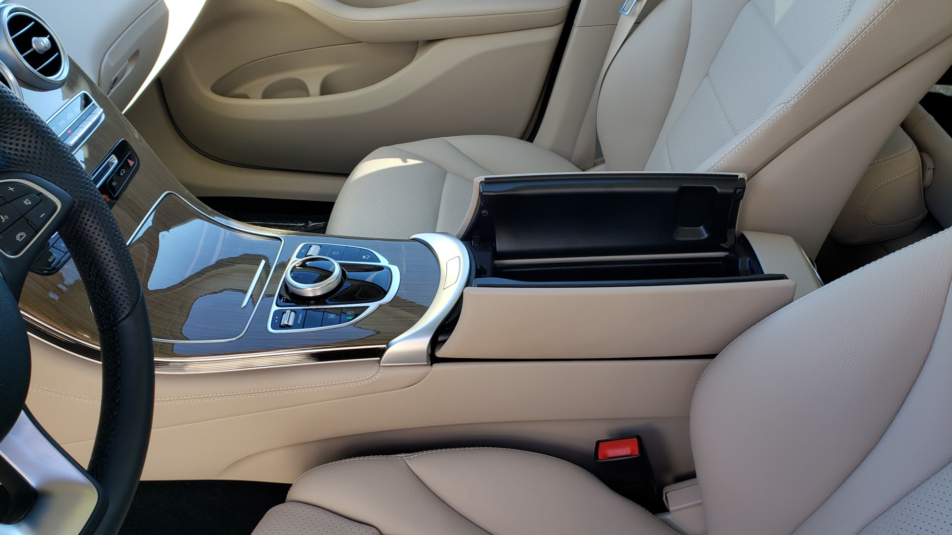 Used 2018 Mercedes-Benz GLC 300 4MATIC / PREM PKG / NAV / SUNROOF / REARVIEW for sale $36,995 at Formula Imports in Charlotte NC 28227 61