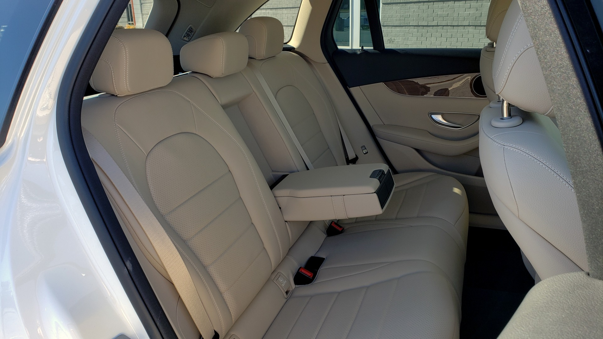 Used 2018 Mercedes-Benz GLC 300 4MATIC / PREM PKG / NAV / SUNROOF / REARVIEW for sale $36,995 at Formula Imports in Charlotte NC 28227 76