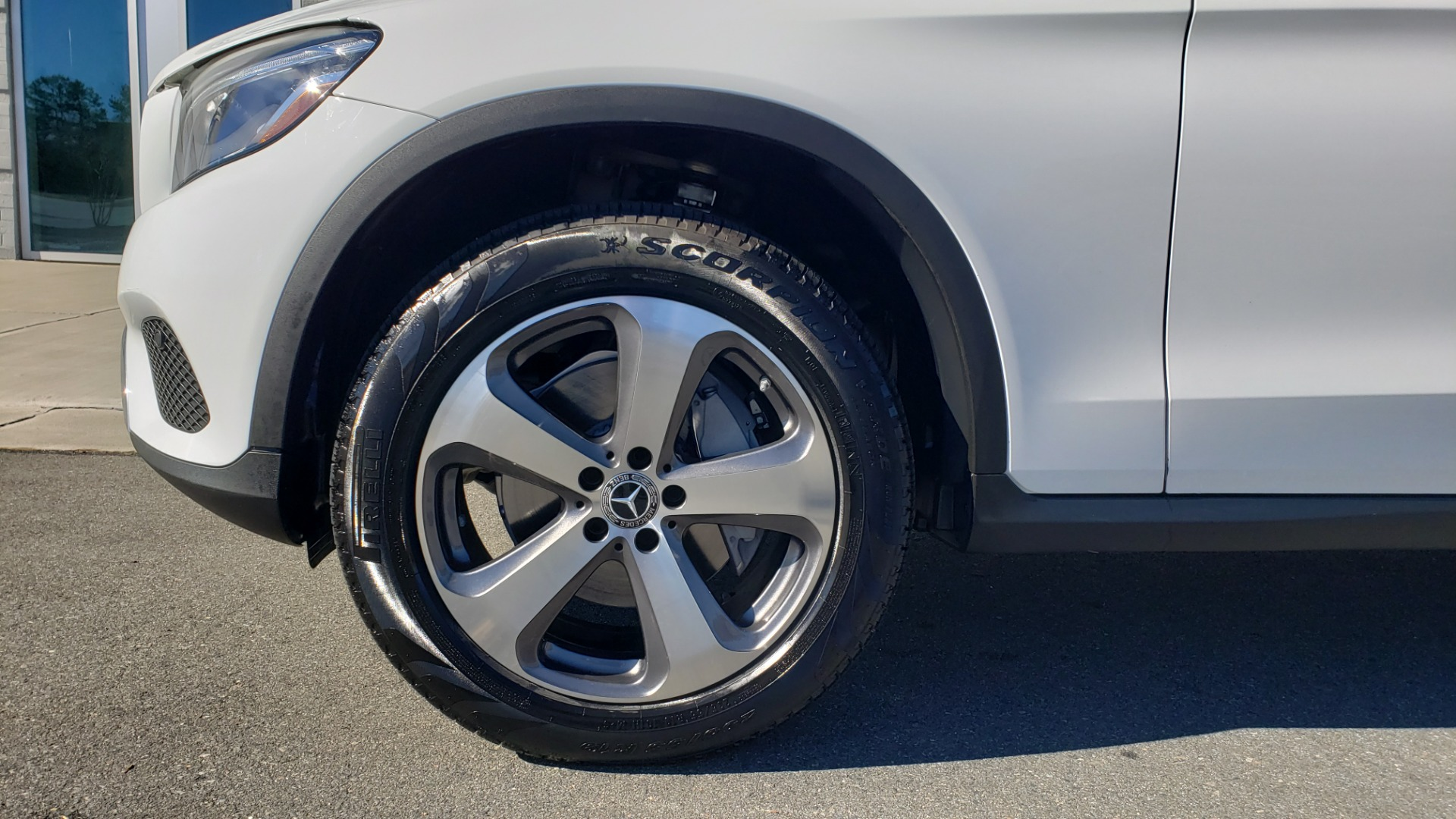 Used 2018 Mercedes-Benz GLC 300 4MATIC / PREM PKG / NAV / SUNROOF / REARVIEW for sale $36,995 at Formula Imports in Charlotte NC 28227 81