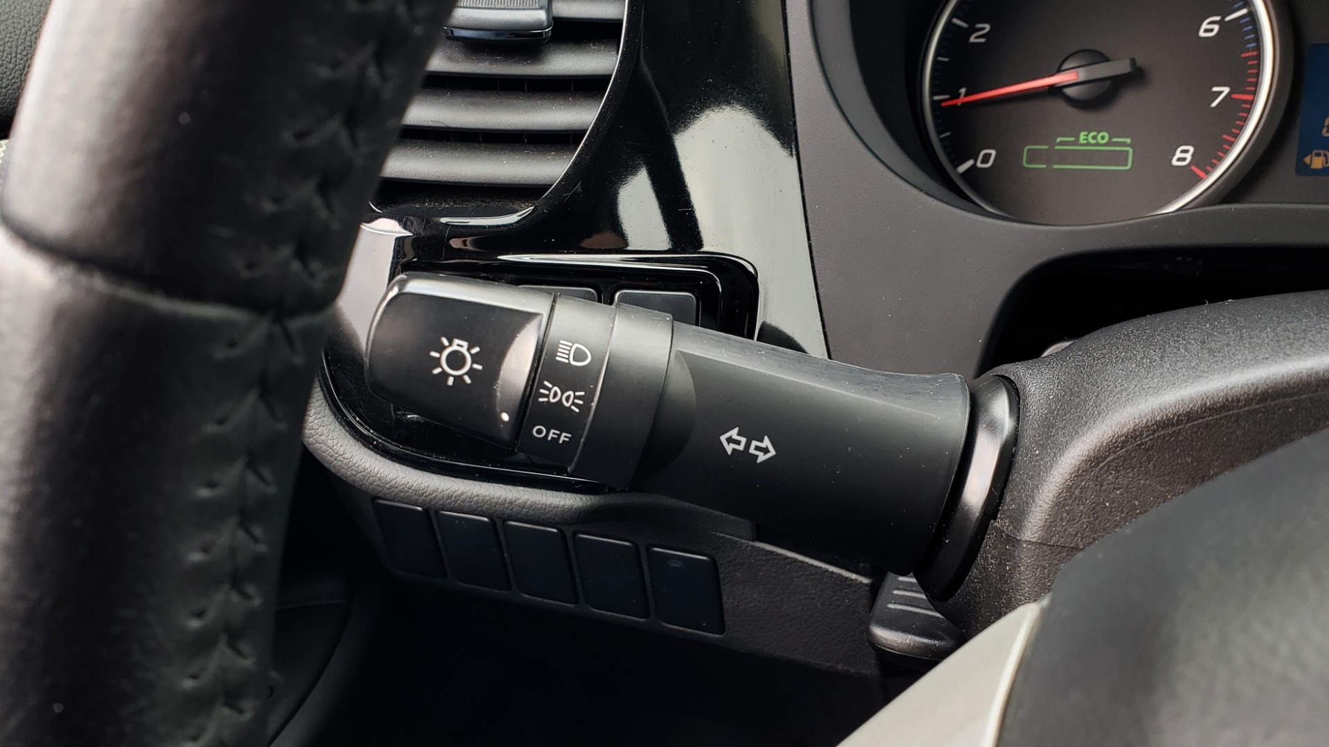 Used 2015 Mitsubishi OUTLANDER ES 2.4L SUV / CVT / FWD / KEYLESS ENTRY / 16-IN WHEELS for sale $12,995 at Formula Imports in Charlotte NC 28227 31