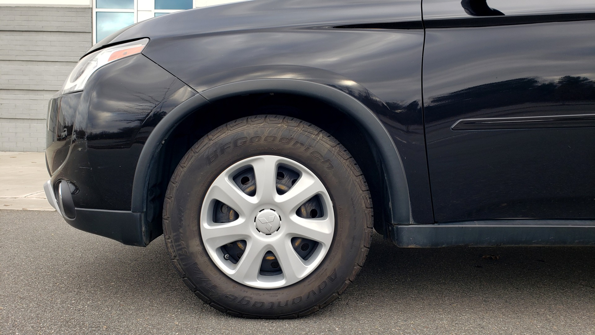 Used 2015 Mitsubishi OUTLANDER ES 2.4L SUV / CVT / FWD / KEYLESS ENTRY / 16-IN WHEELS for sale $12,995 at Formula Imports in Charlotte NC 28227 64