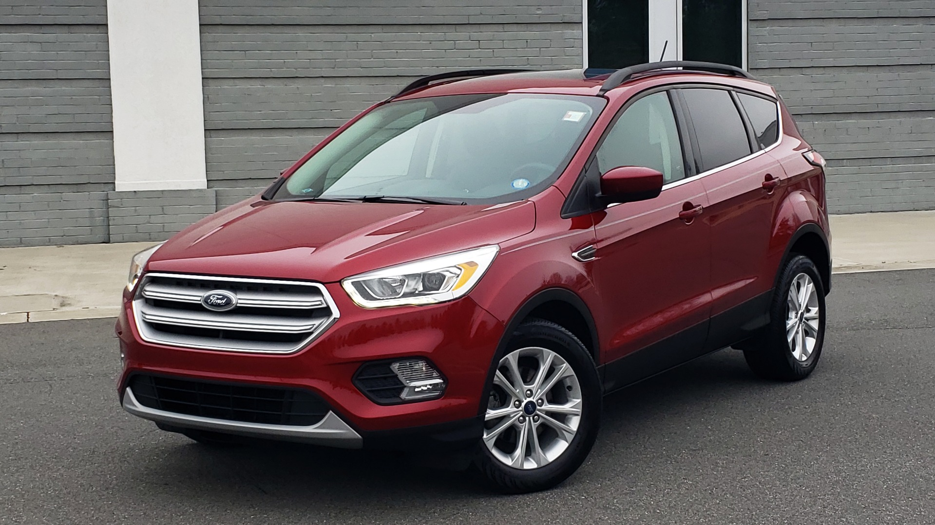 Used 2018 Ford ESCAPE SEL / FWD / 1.5L ECOBOOST / PANO-ROOF / REARVIEW for sale Sold at Formula Imports in Charlotte NC 28227 2