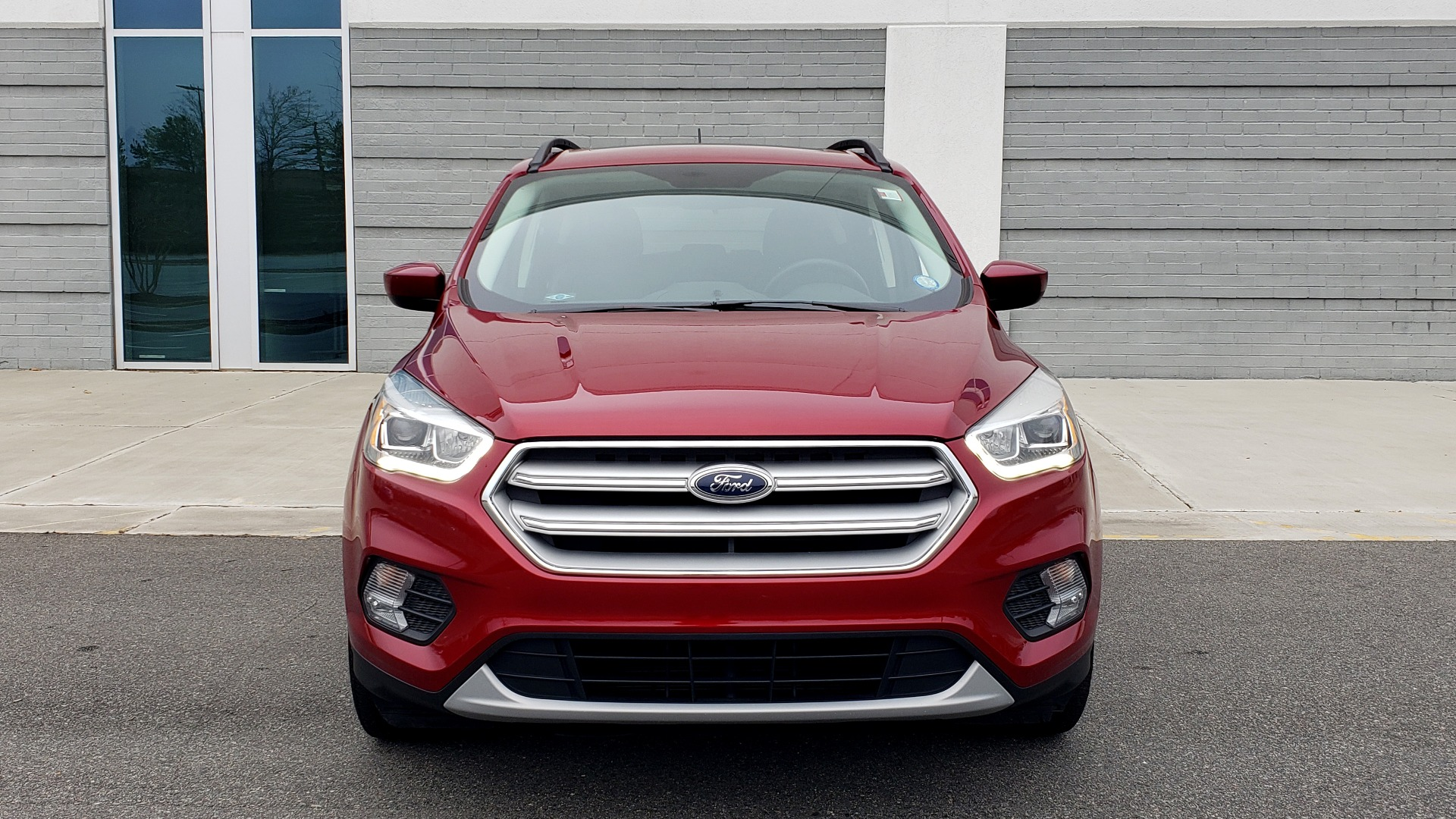 Used 2018 Ford ESCAPE SEL / FWD / 1.5L ECOBOOST / PANO-ROOF / REARVIEW for sale Sold at Formula Imports in Charlotte NC 28227 24