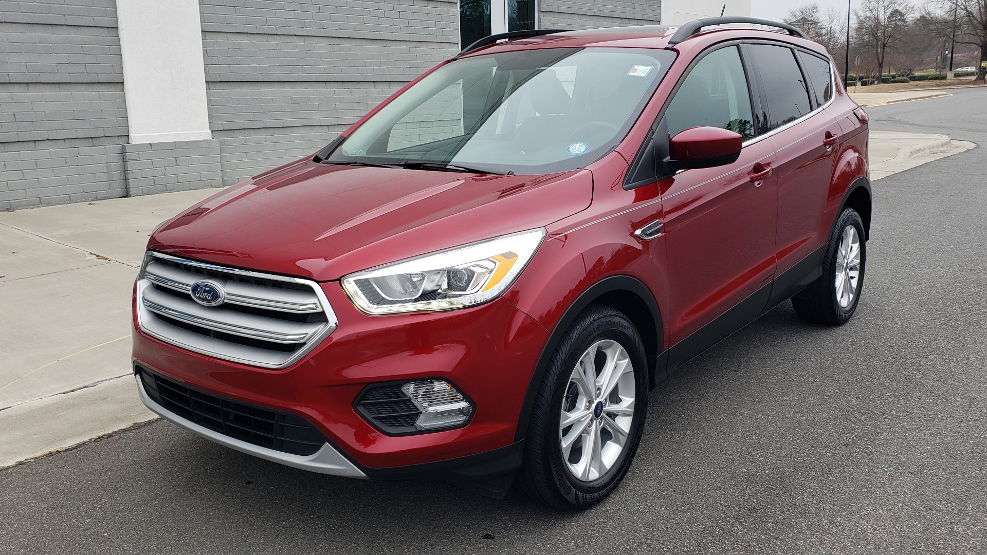 Used 2018 Ford ESCAPE SEL / FWD / 1.5L ECOBOOST / PANO-ROOF / REARVIEW for sale Sold at Formula Imports in Charlotte NC 28227 3