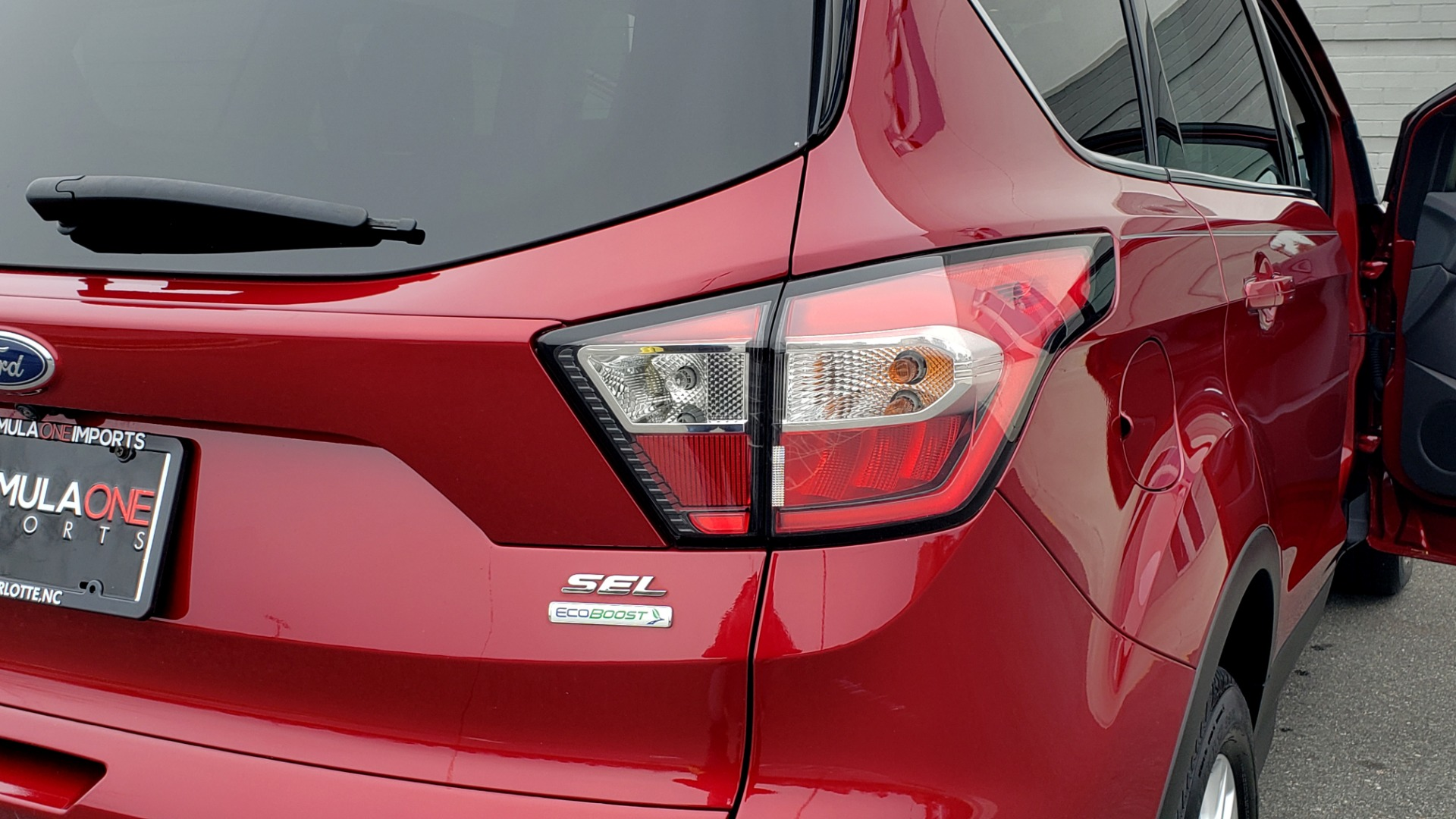 Used 2018 Ford ESCAPE SEL / FWD / 1.5L ECOBOOST / PANO-ROOF / REARVIEW for sale Sold at Formula Imports in Charlotte NC 28227 32