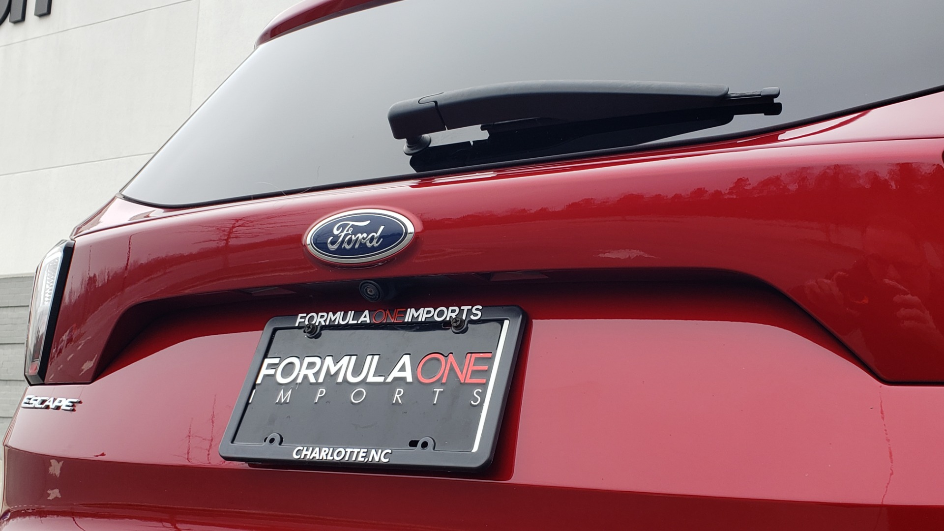 Used 2018 Ford ESCAPE SEL / FWD / 1.5L ECOBOOST / PANO-ROOF / REARVIEW for sale Sold at Formula Imports in Charlotte NC 28227 33