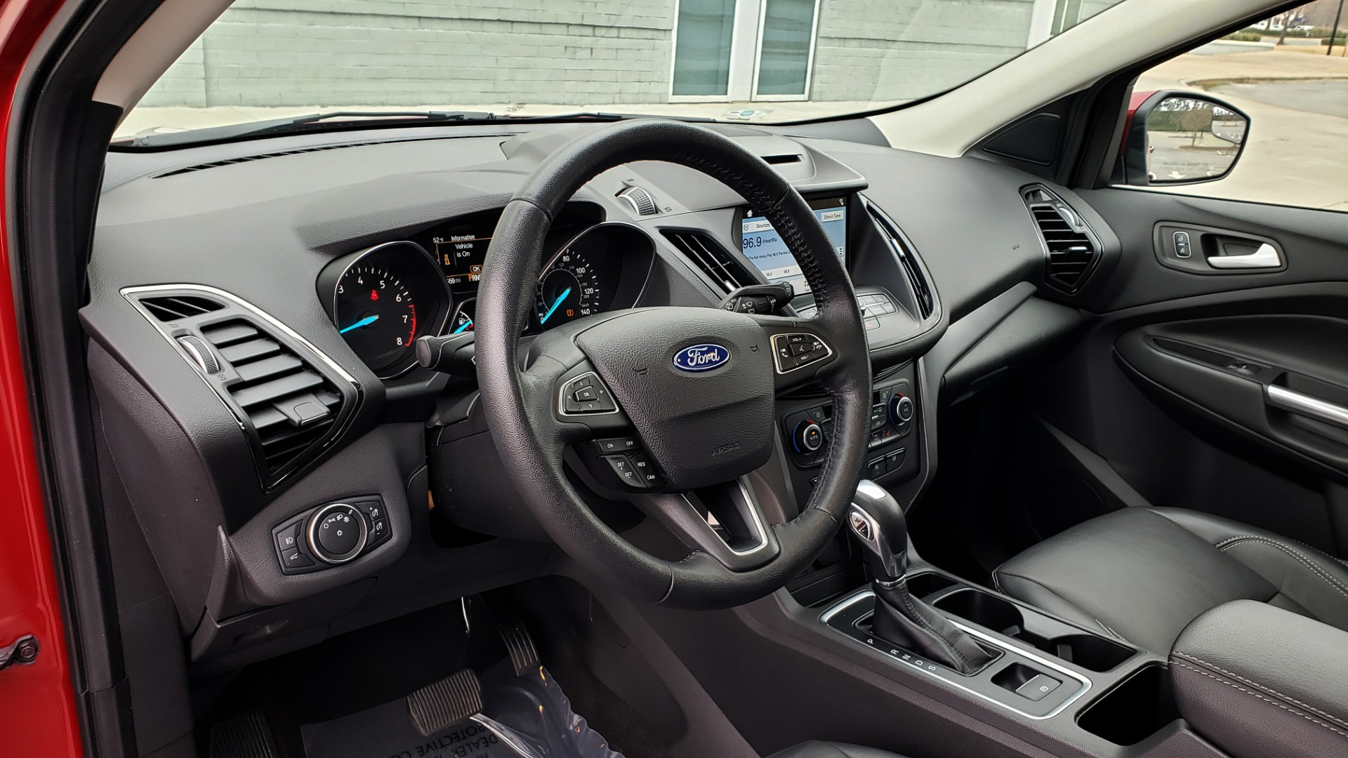 Used 2018 Ford ESCAPE SEL / FWD / 1.5L ECOBOOST / PANO-ROOF / REARVIEW for sale Sold at Formula Imports in Charlotte NC 28227 39