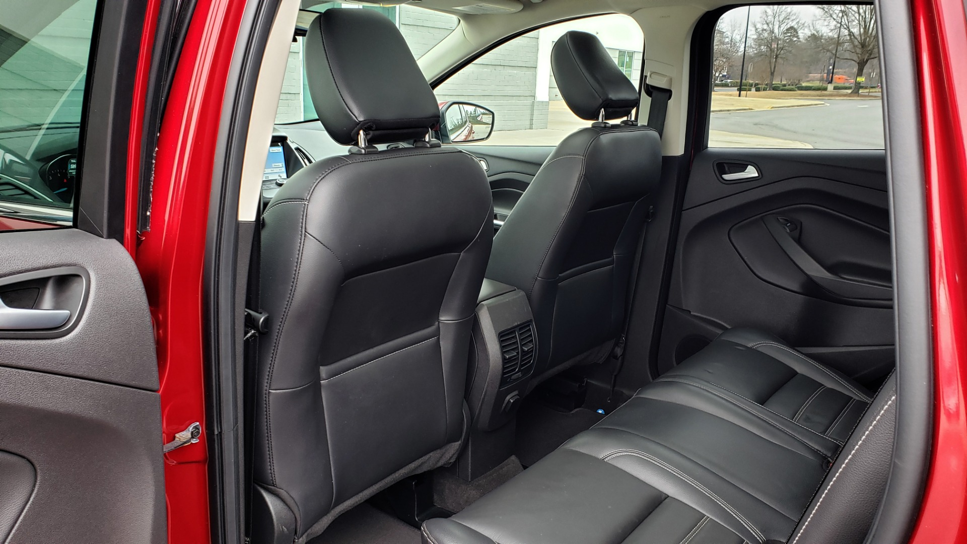 Used 2018 Ford ESCAPE SEL / FWD / 1.5L ECOBOOST / PANO-ROOF / REARVIEW for sale Sold at Formula Imports in Charlotte NC 28227 62