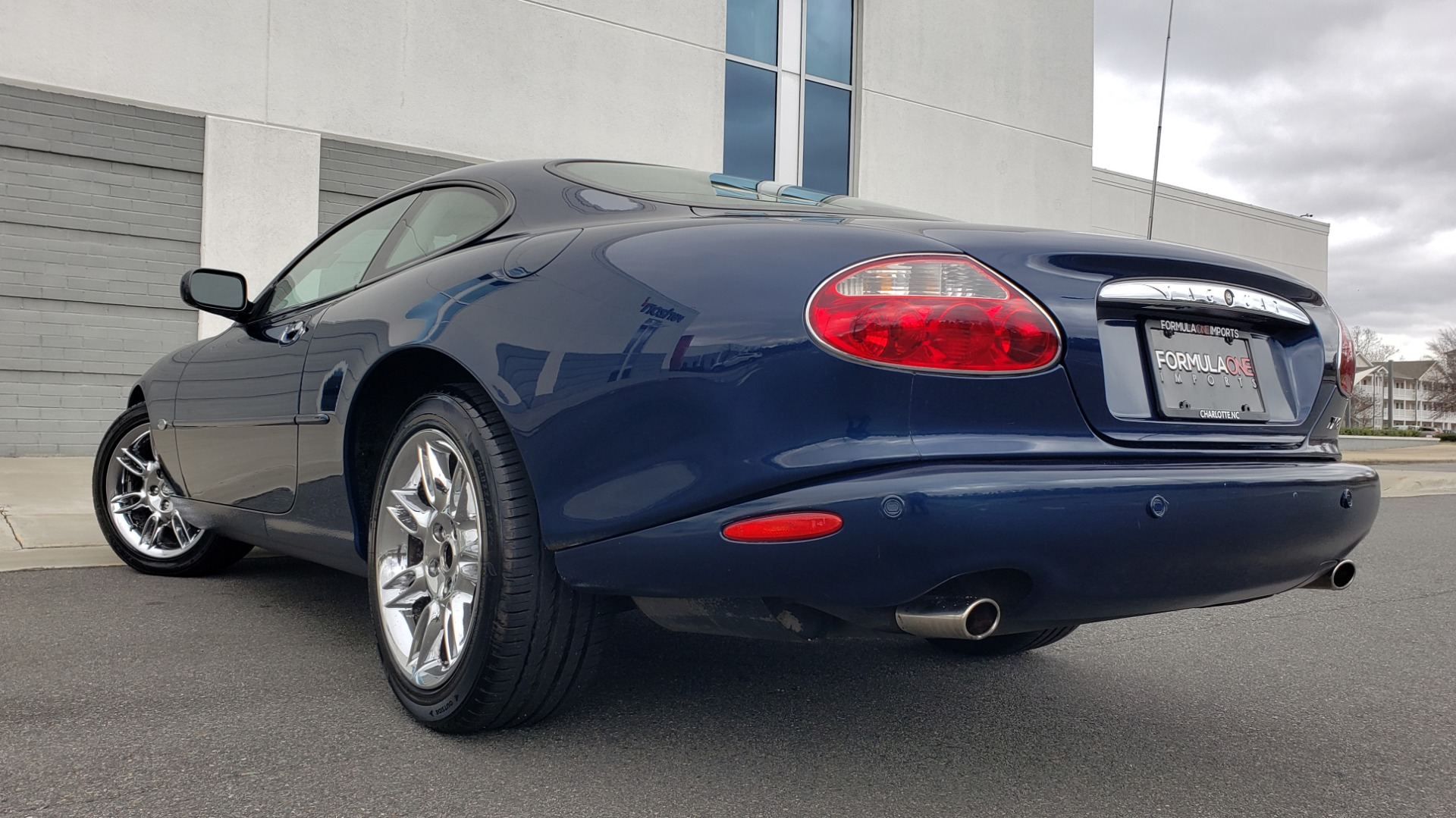 Used 2002 Jaguar XK8 COUPE / 4.0L V8 / 5-SPD AUTO / ALPINE SOUND / 18IN CHROME WHEELS for sale $16,450 at Formula Imports in Charlotte NC 28227 2