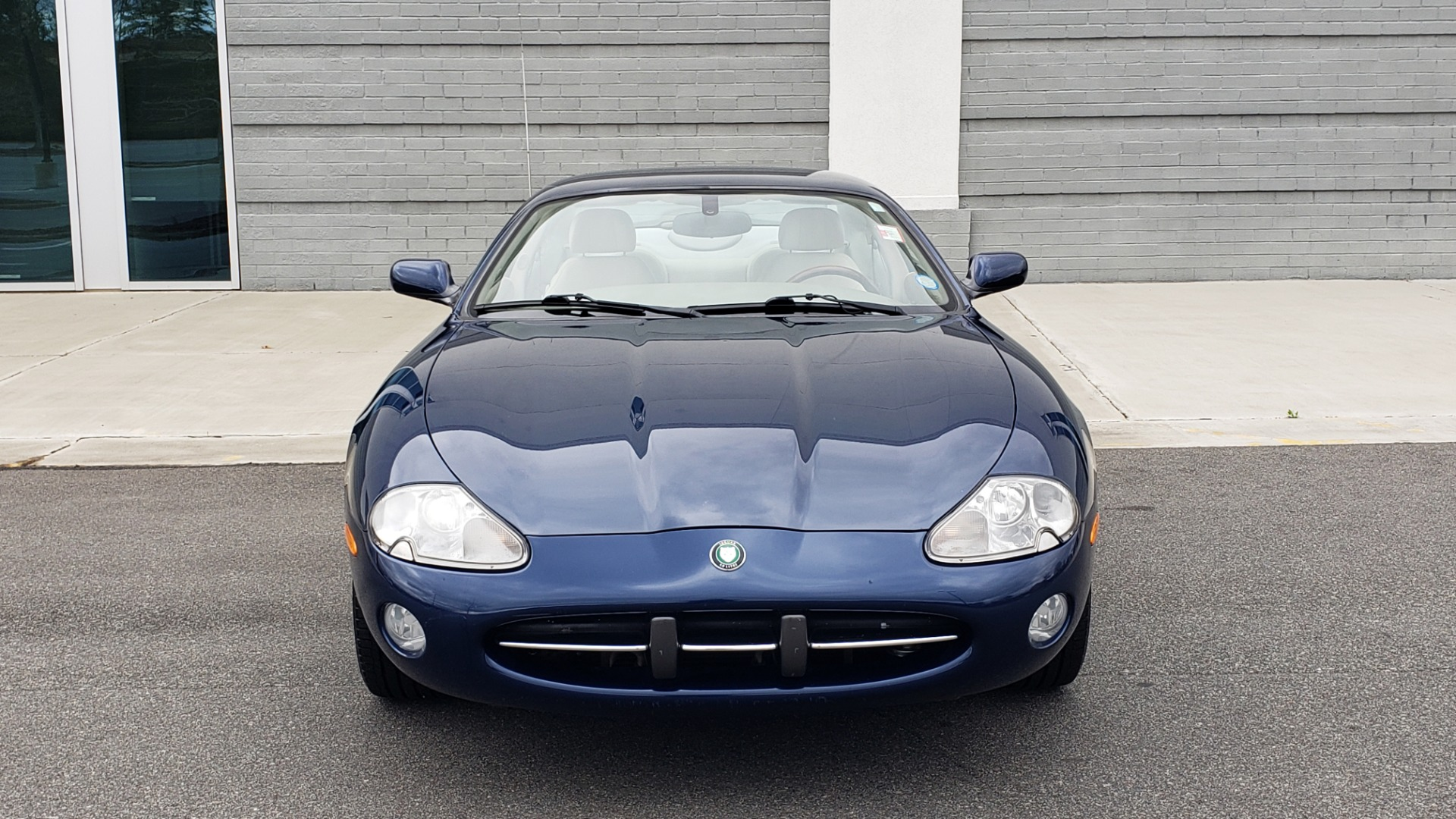 Used 2002 Jaguar XK8 COUPE / 4.0L V8 / 5-SPD AUTO / ALPINE SOUND / 18IN CHROME WHEELS for sale $16,450 at Formula Imports in Charlotte NC 28227 24