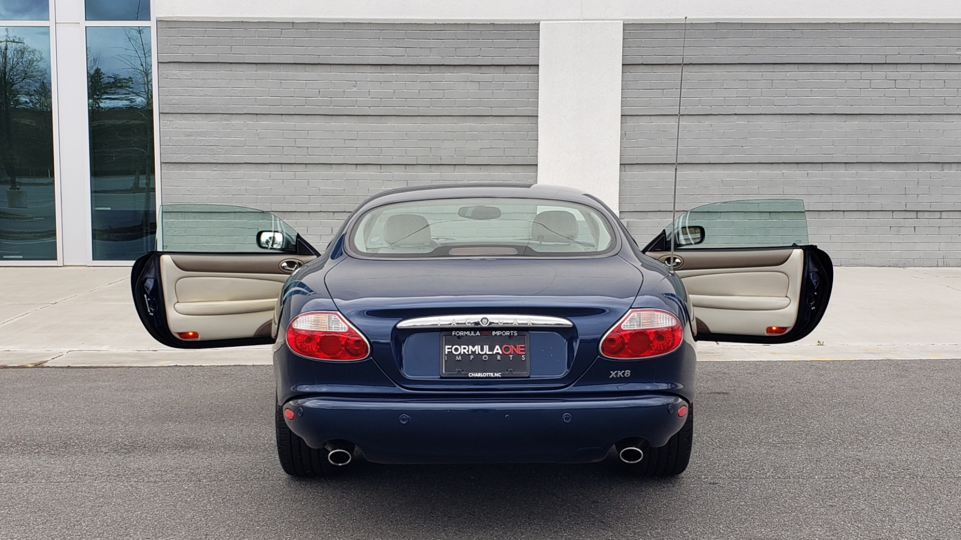 Used 2002 Jaguar XK8 COUPE / 4.0L V8 / 5-SPD AUTO / ALPINE SOUND / 18IN CHROME WHEELS for sale $16,450 at Formula Imports in Charlotte NC 28227 29