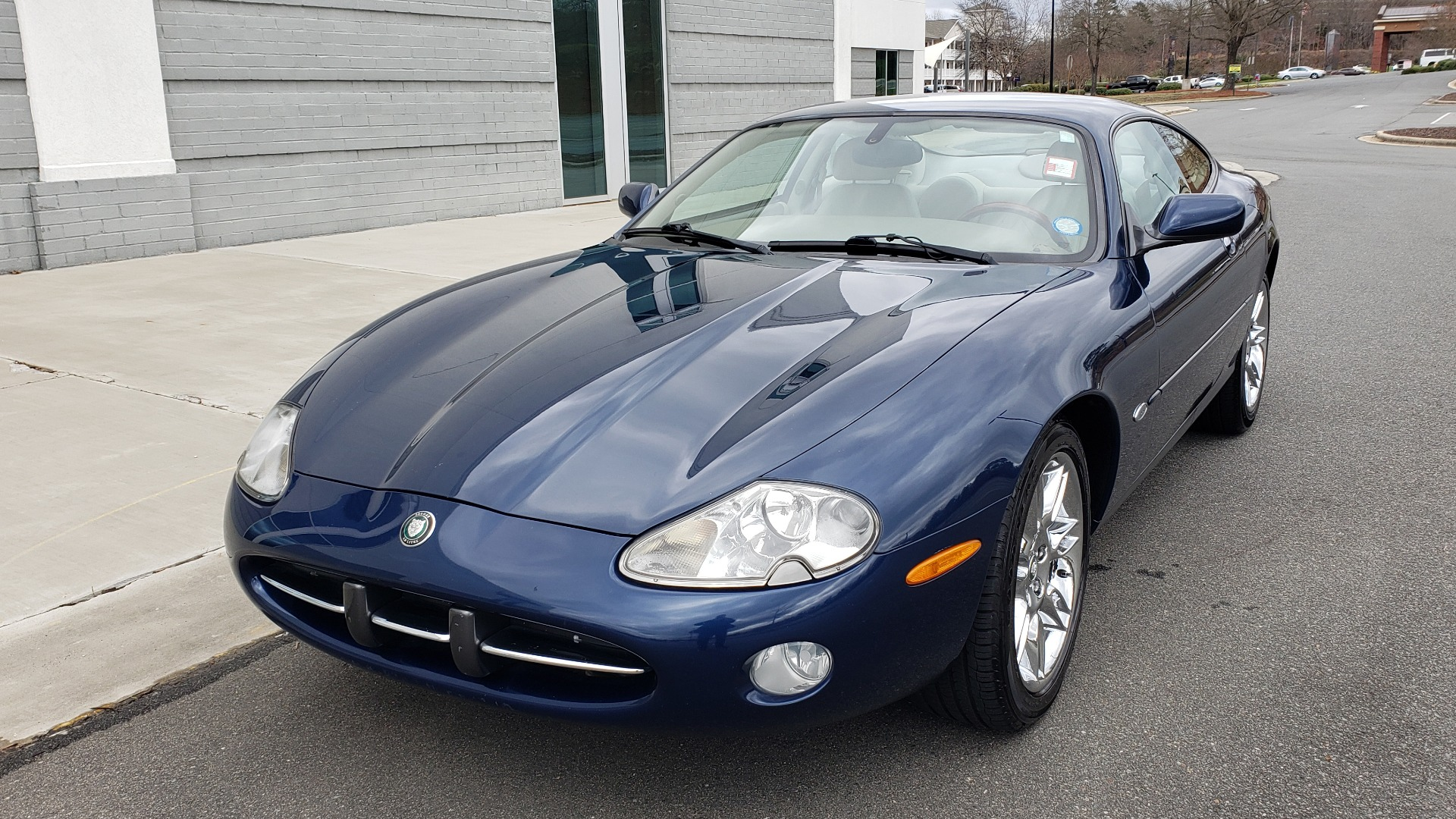 Used 2002 Jaguar XK8 COUPE / 4.0L V8 / 5-SPD AUTO / ALPINE SOUND / 18IN CHROME WHEELS for sale $16,450 at Formula Imports in Charlotte NC 28227 3