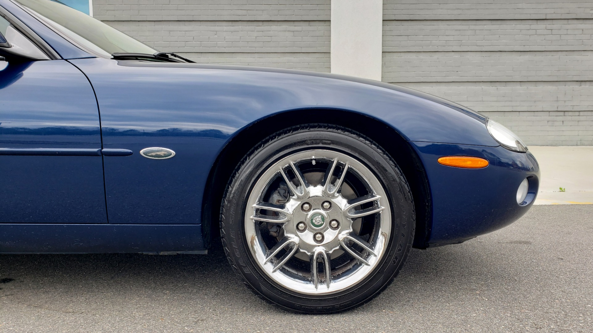 Used 2002 Jaguar XK8 COUPE / 4.0L V8 / 5-SPD AUTO / ALPINE SOUND / 18IN CHROME WHEELS for sale $16,450 at Formula Imports in Charlotte NC 28227 75