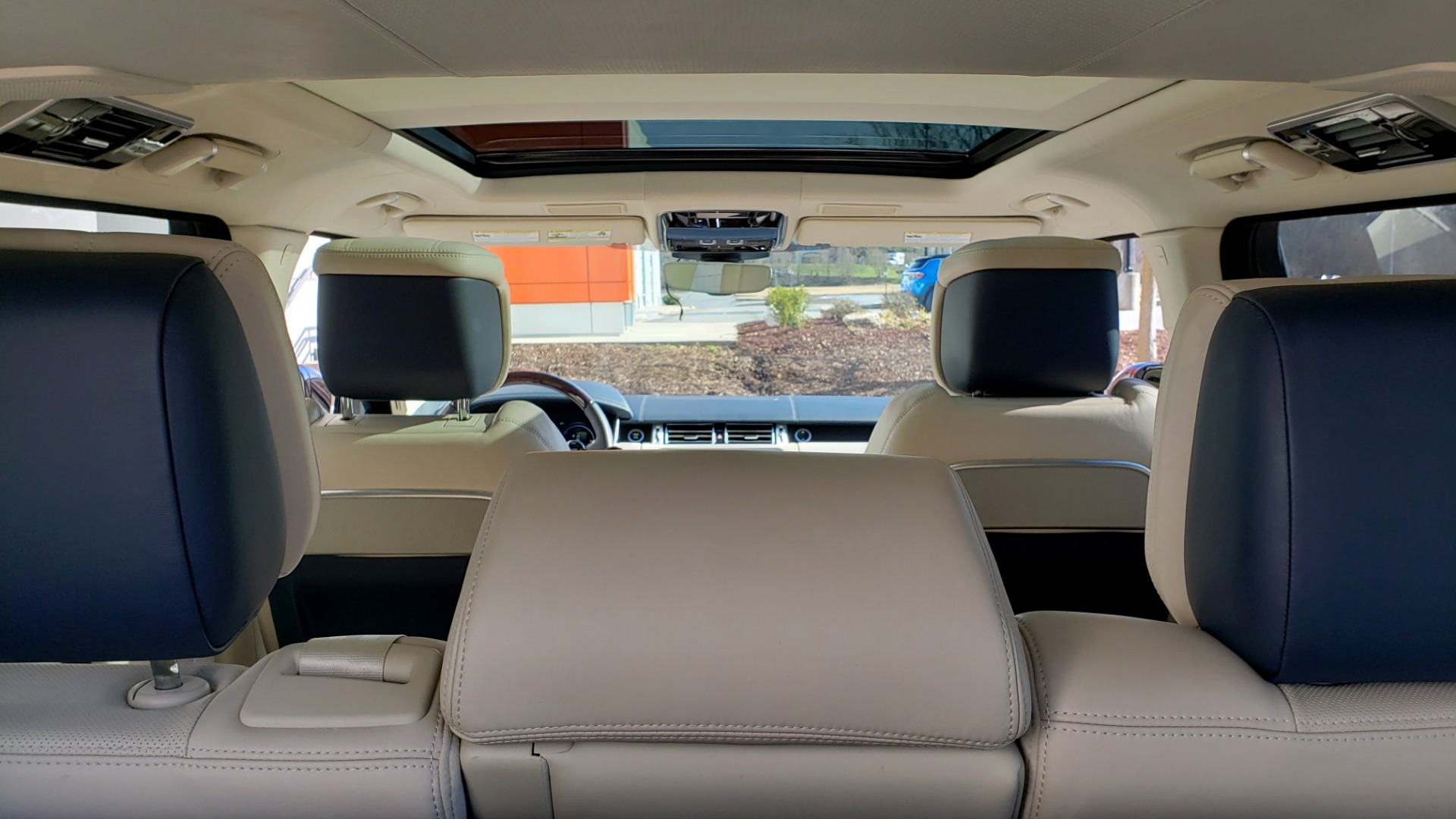 Used 2020 Land Rover RANGE ROVER AUTOBIOGRAPHY HYBRID / NAV / SUNROOF / REARVIEW for sale $110,000 at Formula Imports in Charlotte NC 28227 21