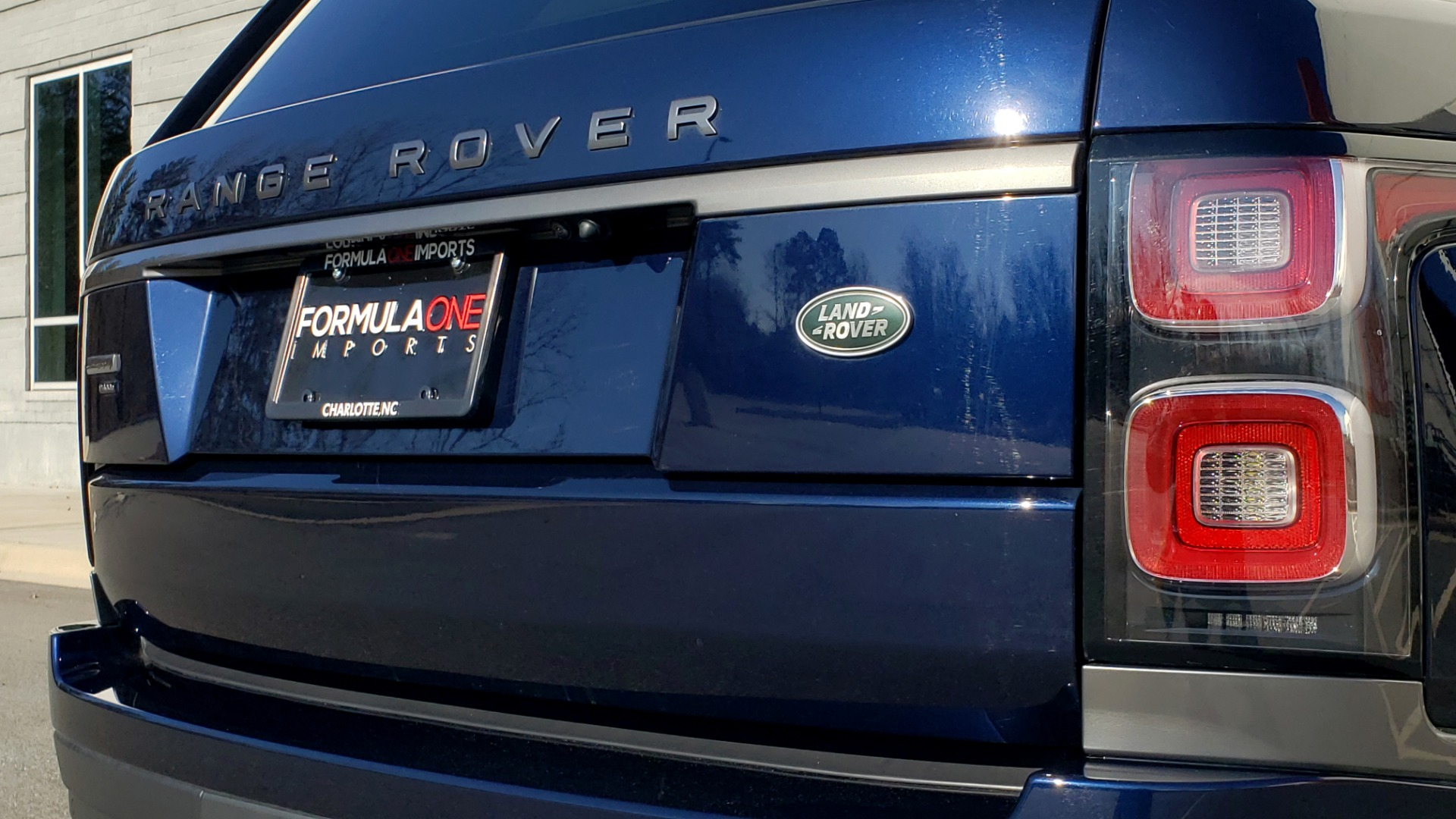 Used 2020 Land Rover RANGE ROVER AUTOBIOGRAPHY HYBRID / NAV / SUNROOF / REARVIEW for sale $110,000 at Formula Imports in Charlotte NC 28227 40